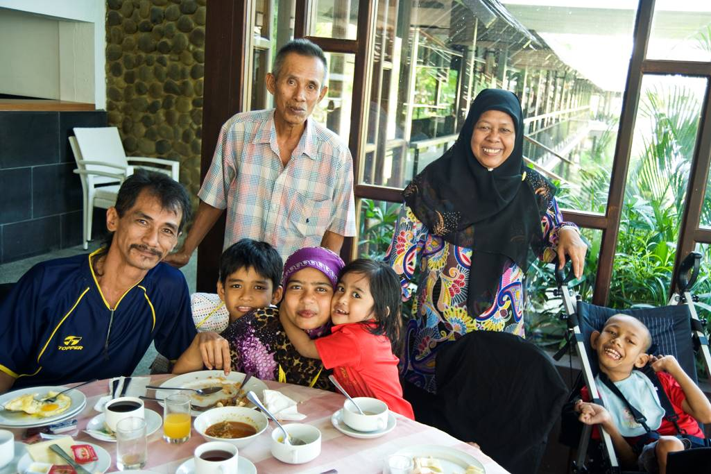 Club Rainbow Singapore Family Retreat 2010-4.jpg