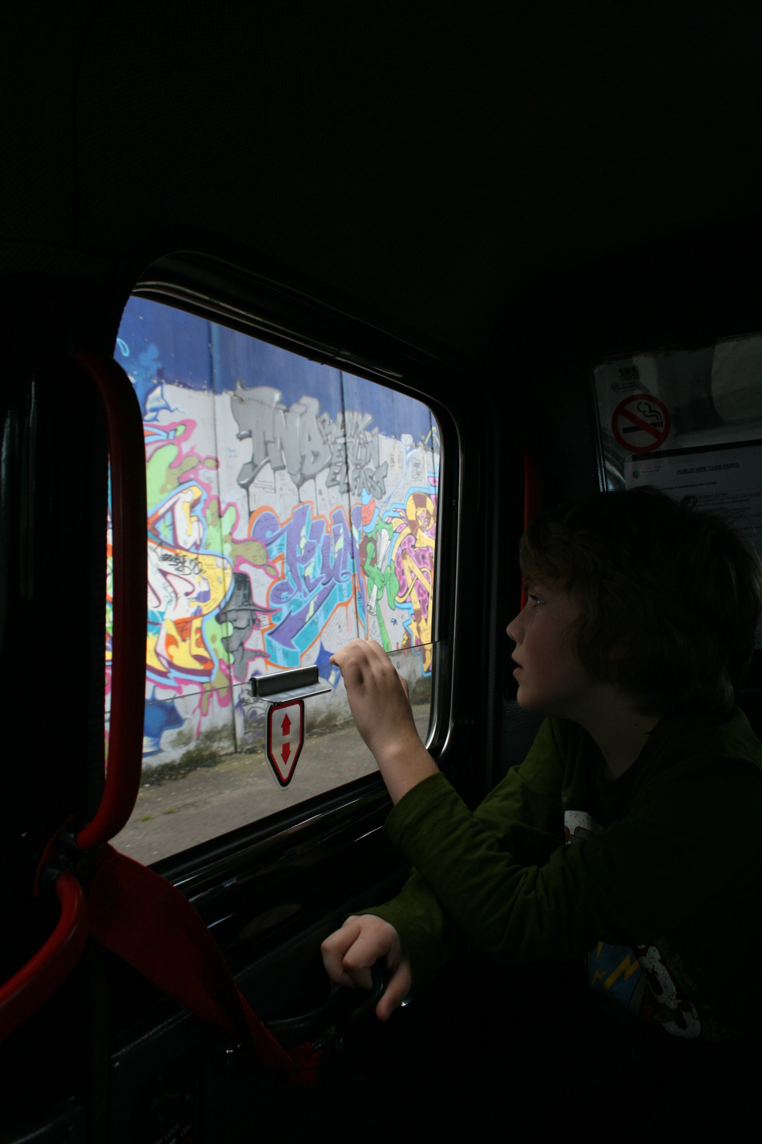 Black Cab Tour of The Troubles in Belfast.