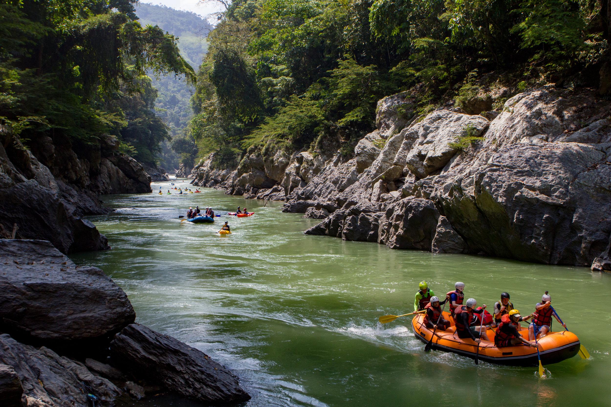 El Rafting es la mejor maneja de descubrir el Rio Samana, Jules Domine.jpg