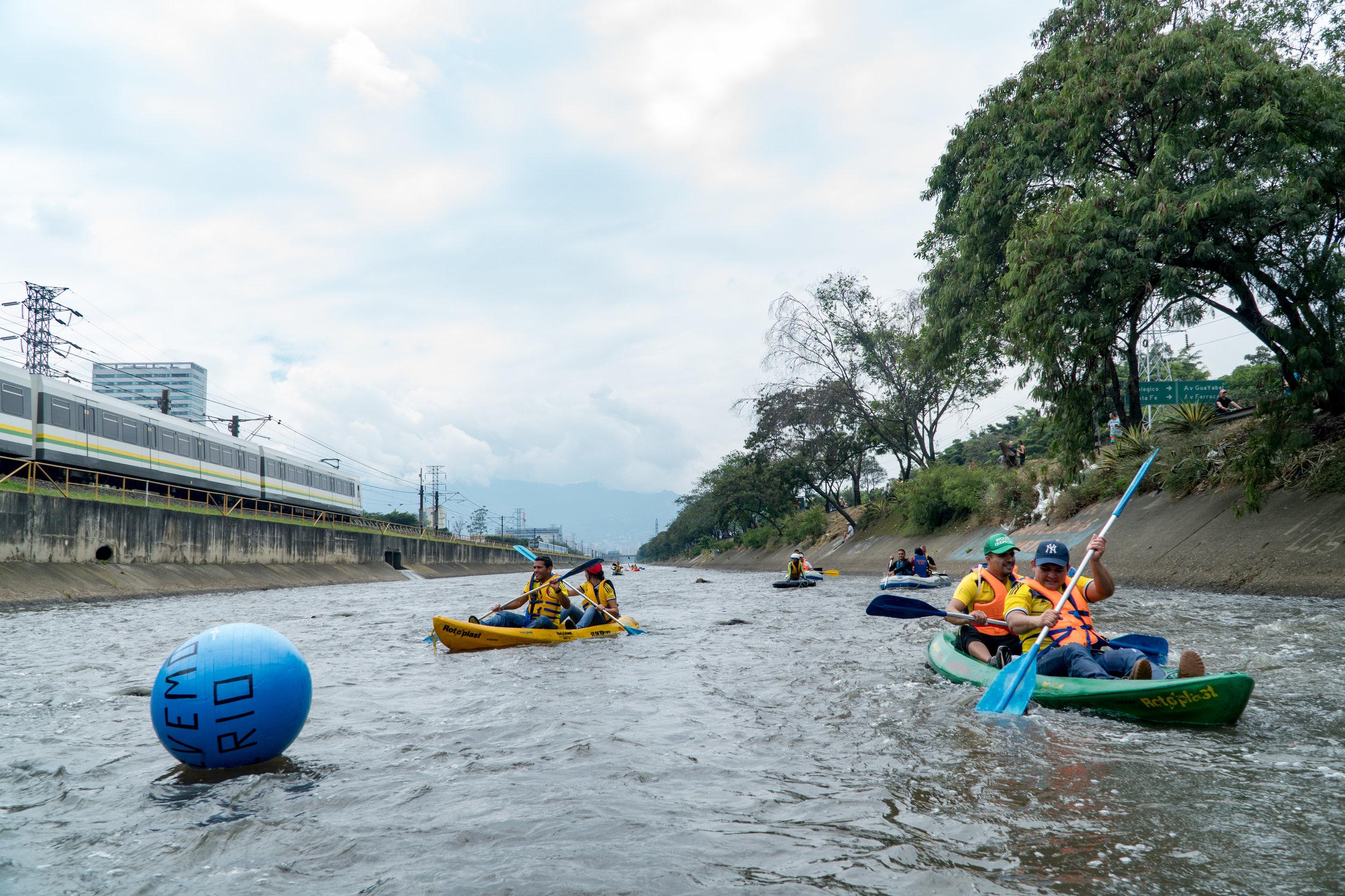 Navegacion por el Rio Medellin 4, Jules Domine.jpg