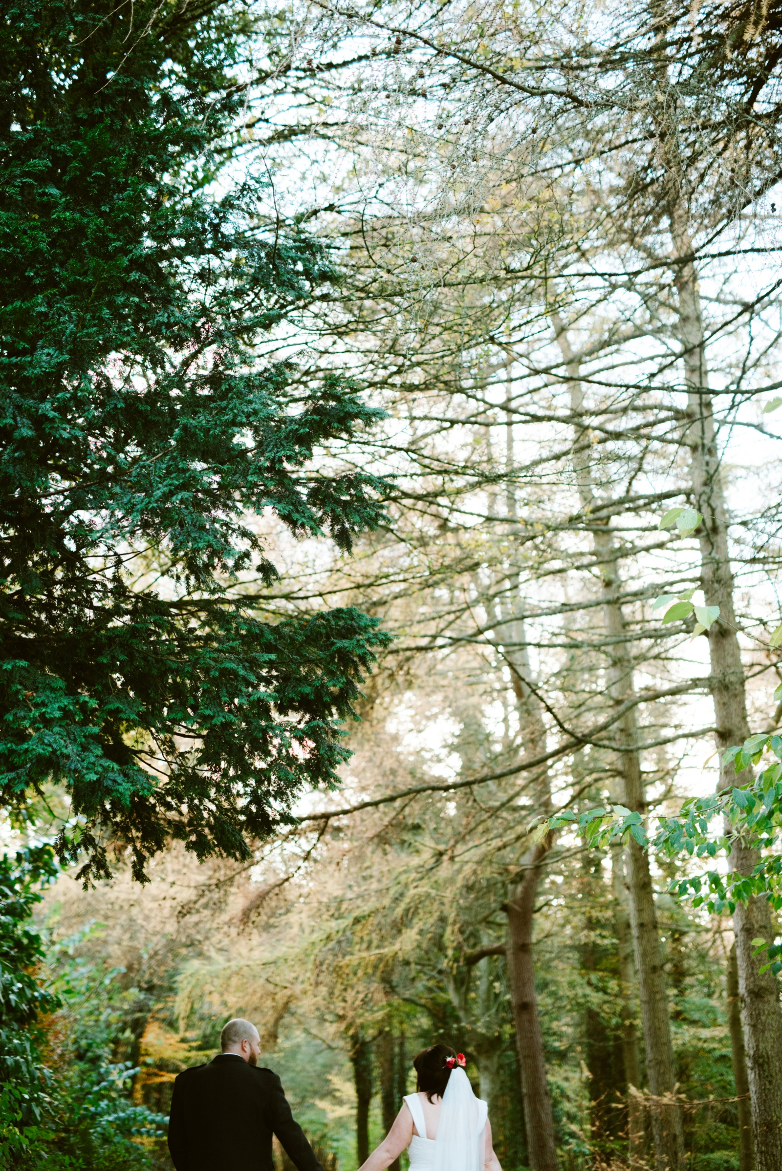 alternative-wedding-photography-scotland-katie-stephen-aikwood-tower-280.jpg