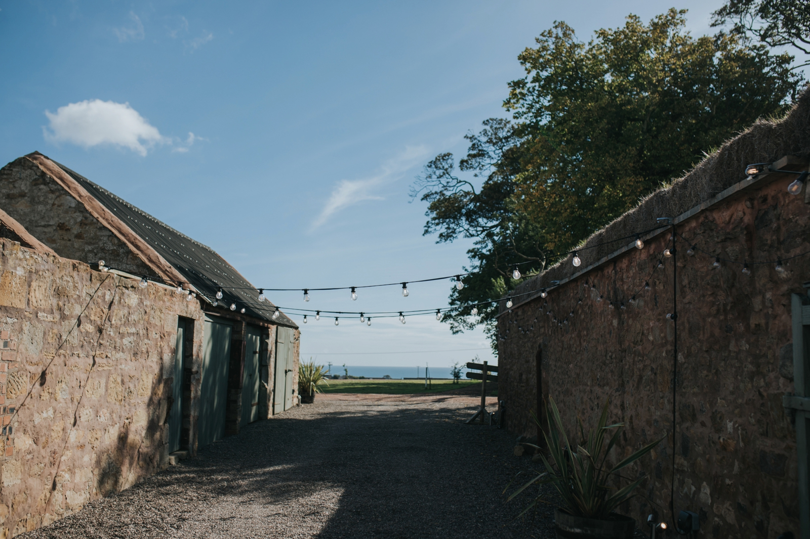 cow-shed-crail-rustic-wedding-gemma-andy-loraine-ross-photographygemma-andy-wedding-0090.jpg