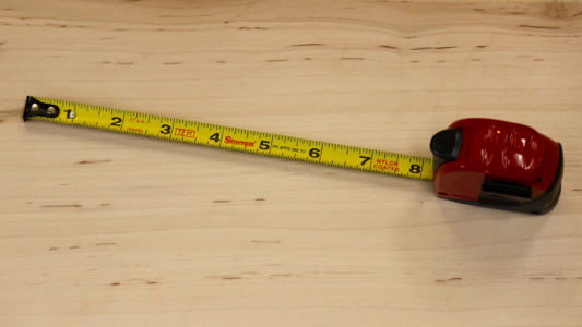 Figure 3 - The nylon coated blade is anti-glare and easy to read. The end hook is perfectly sized.