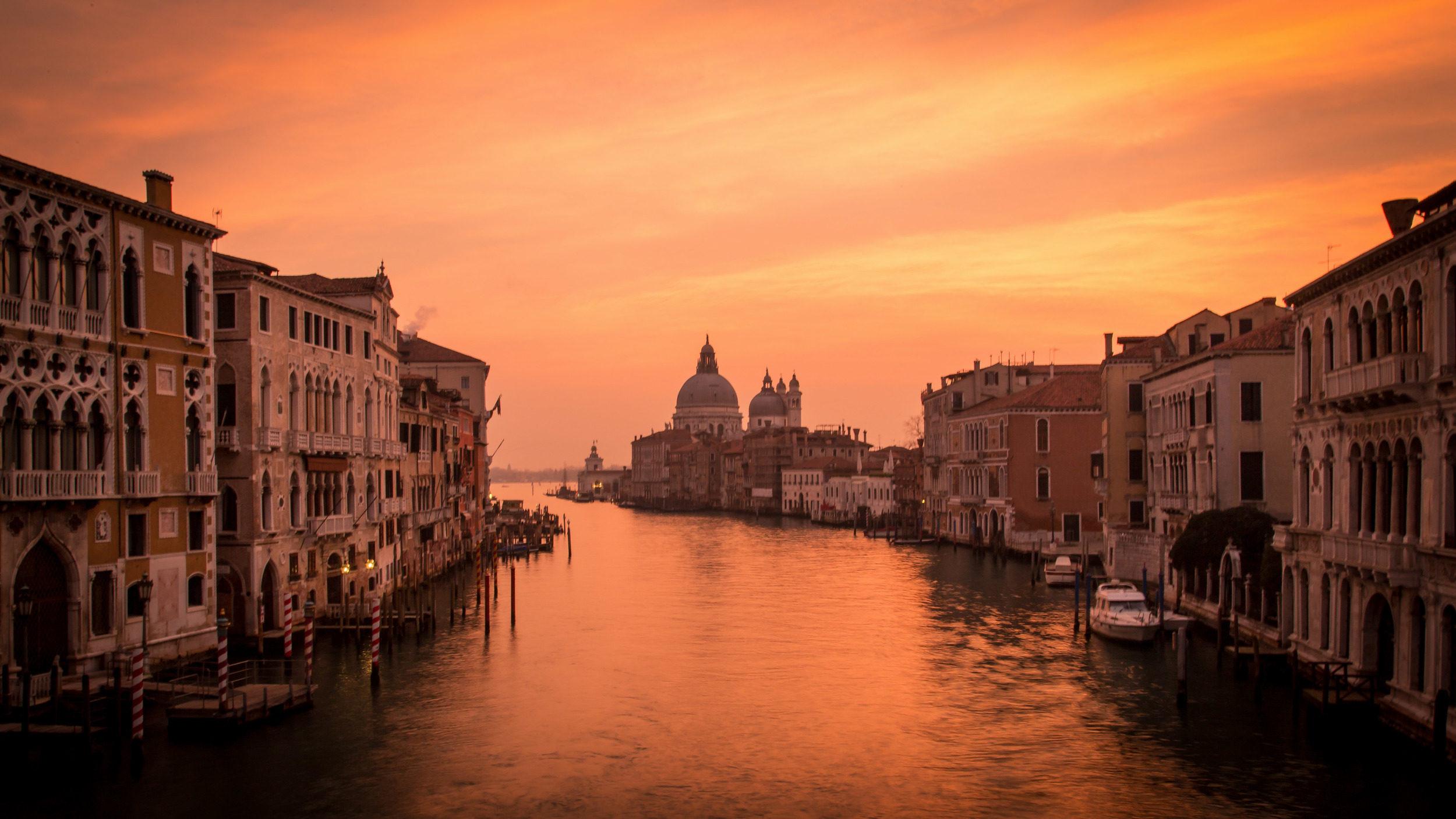 The view from Academia Bridge at Sunrise - 6d - 24-105 @ 28mm -f22/ 1 sec / iso 100