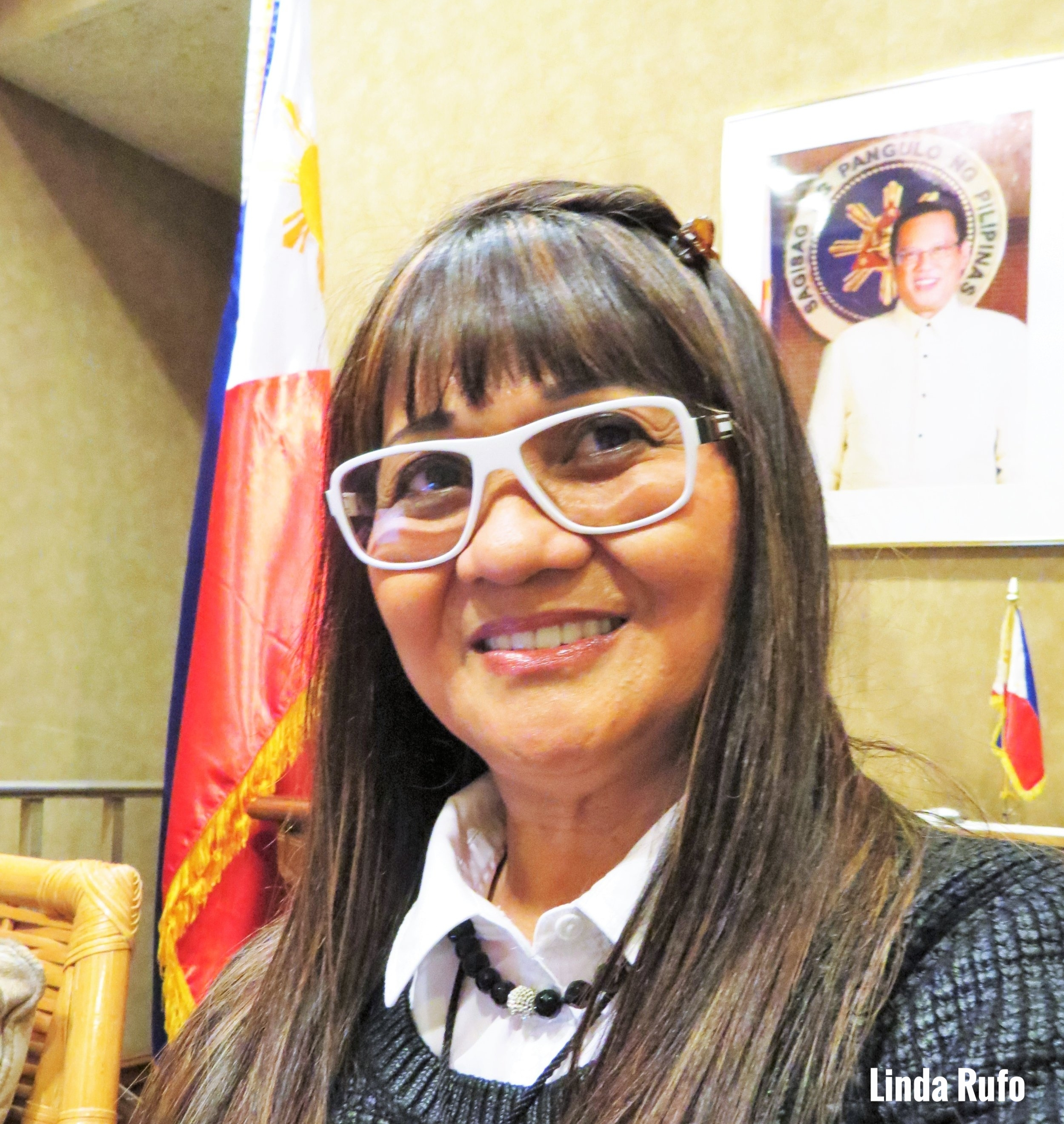 Linda Rufo is a muralist, painter, educator, restorer, and art therapist