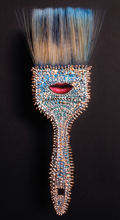 The exalted tool Paintbrush with lips and 3D paint 2015