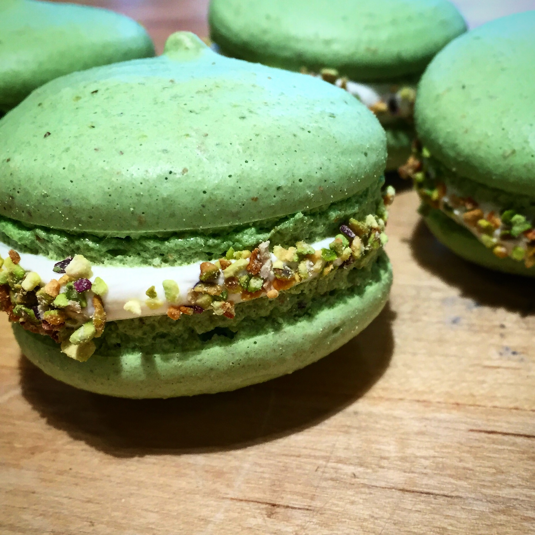 french pistachio macarons