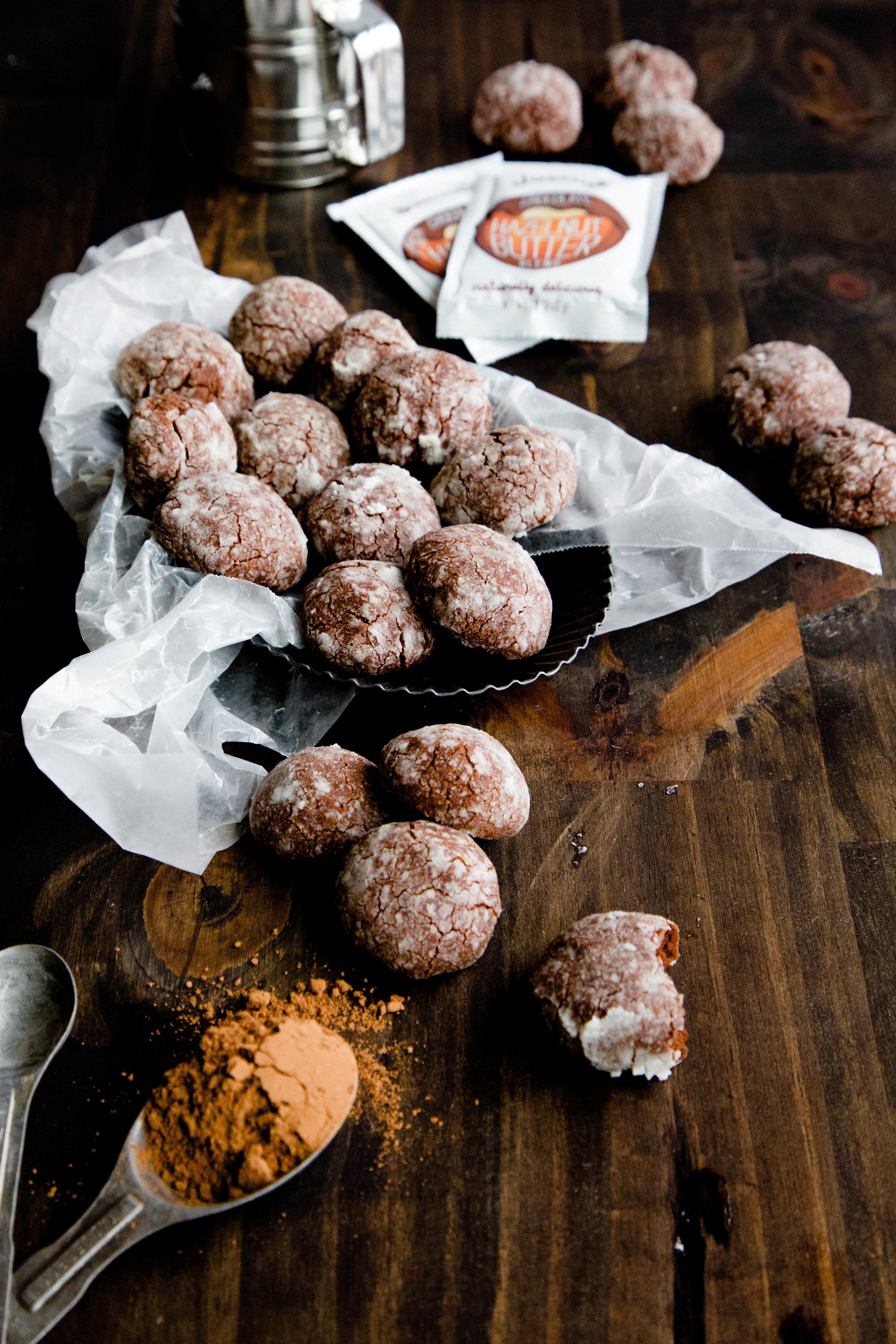 Gluten free & vegan Chocolate crinkle cookies