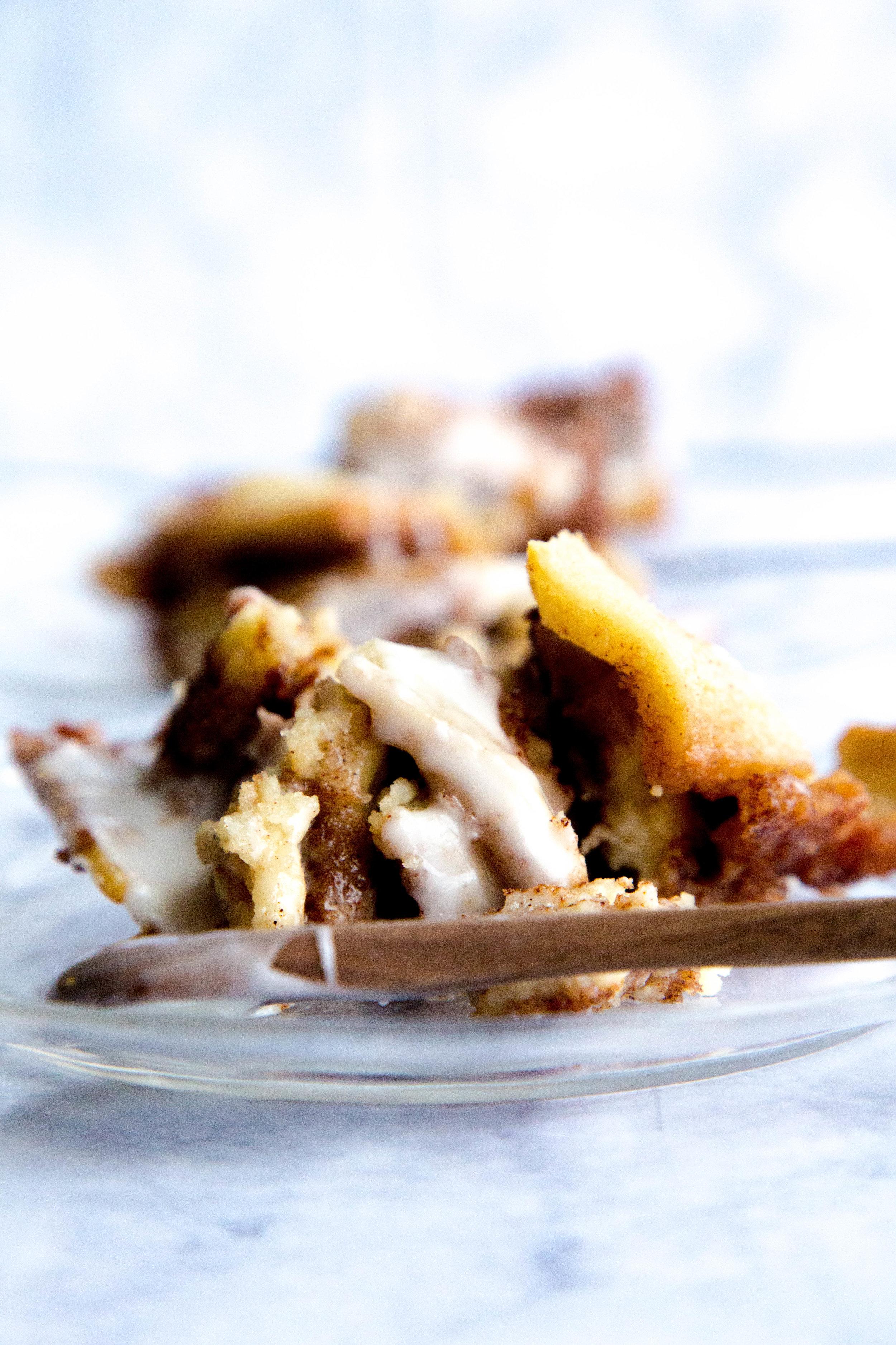 gluten free & vegan cinnamon pull apart bread
