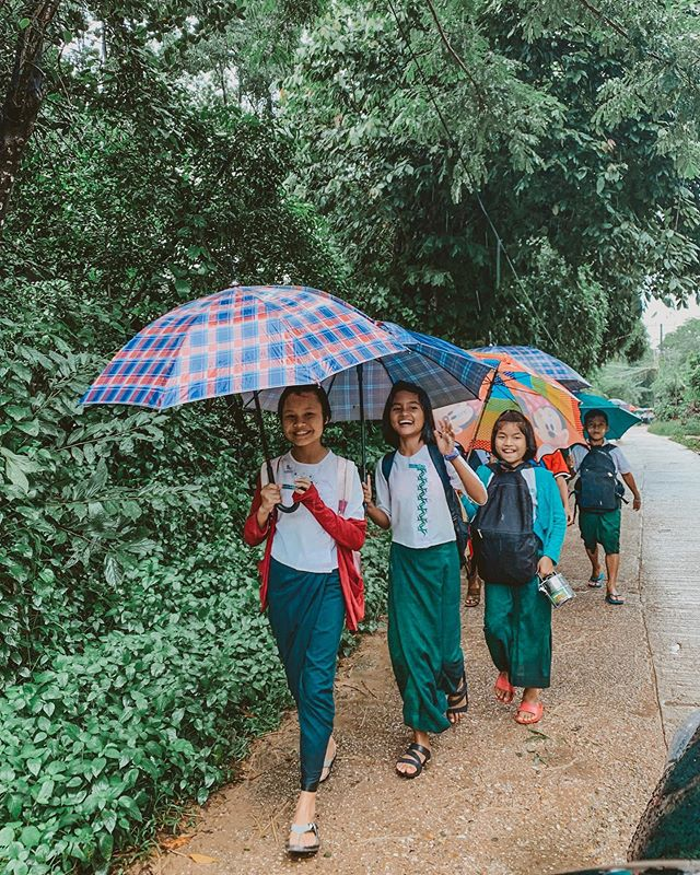 Coming home from school on a rainy day like😁 ☔️ #kidsoflch #lovechildrenshome