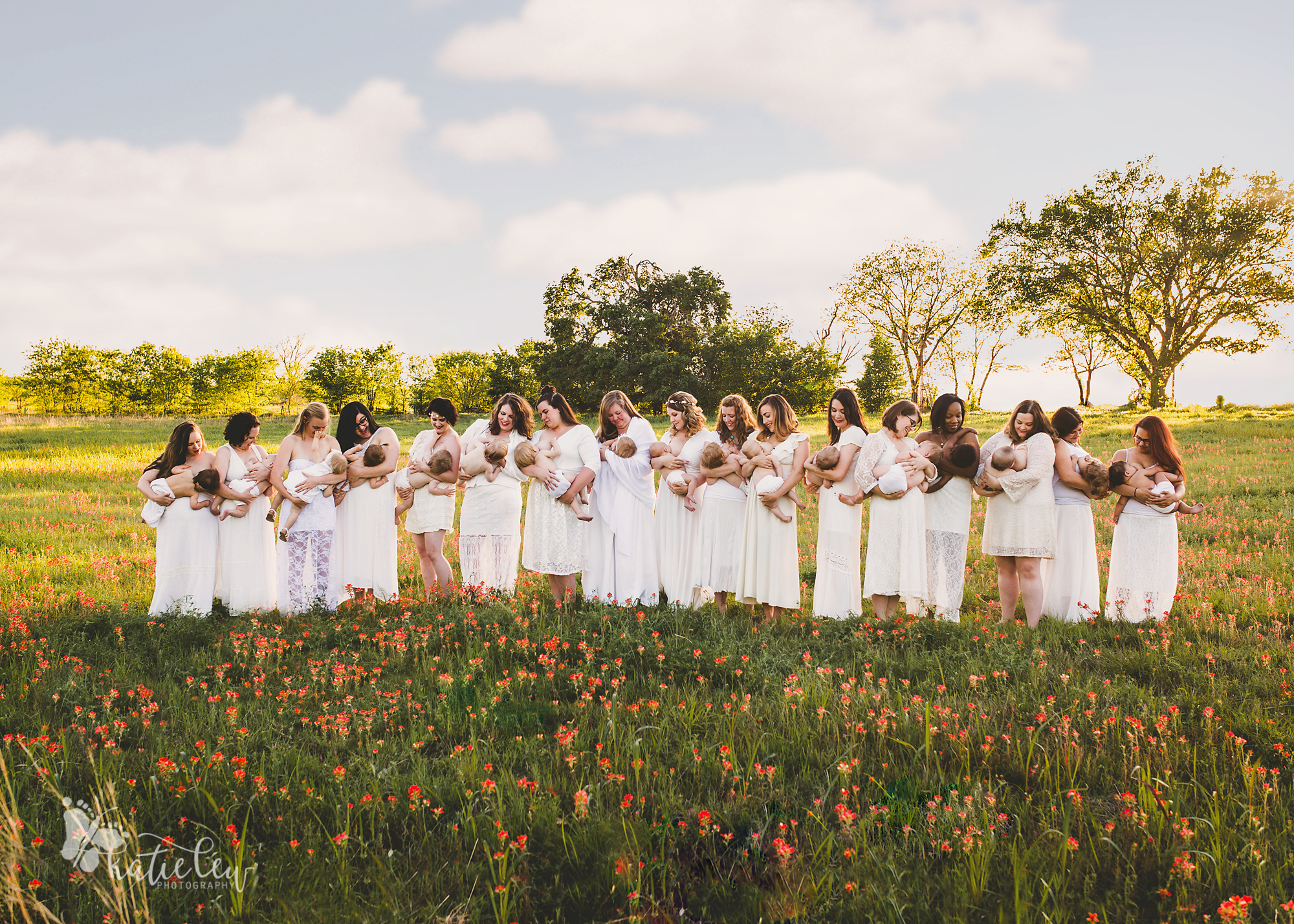 spring breastfeeding group photoshoot