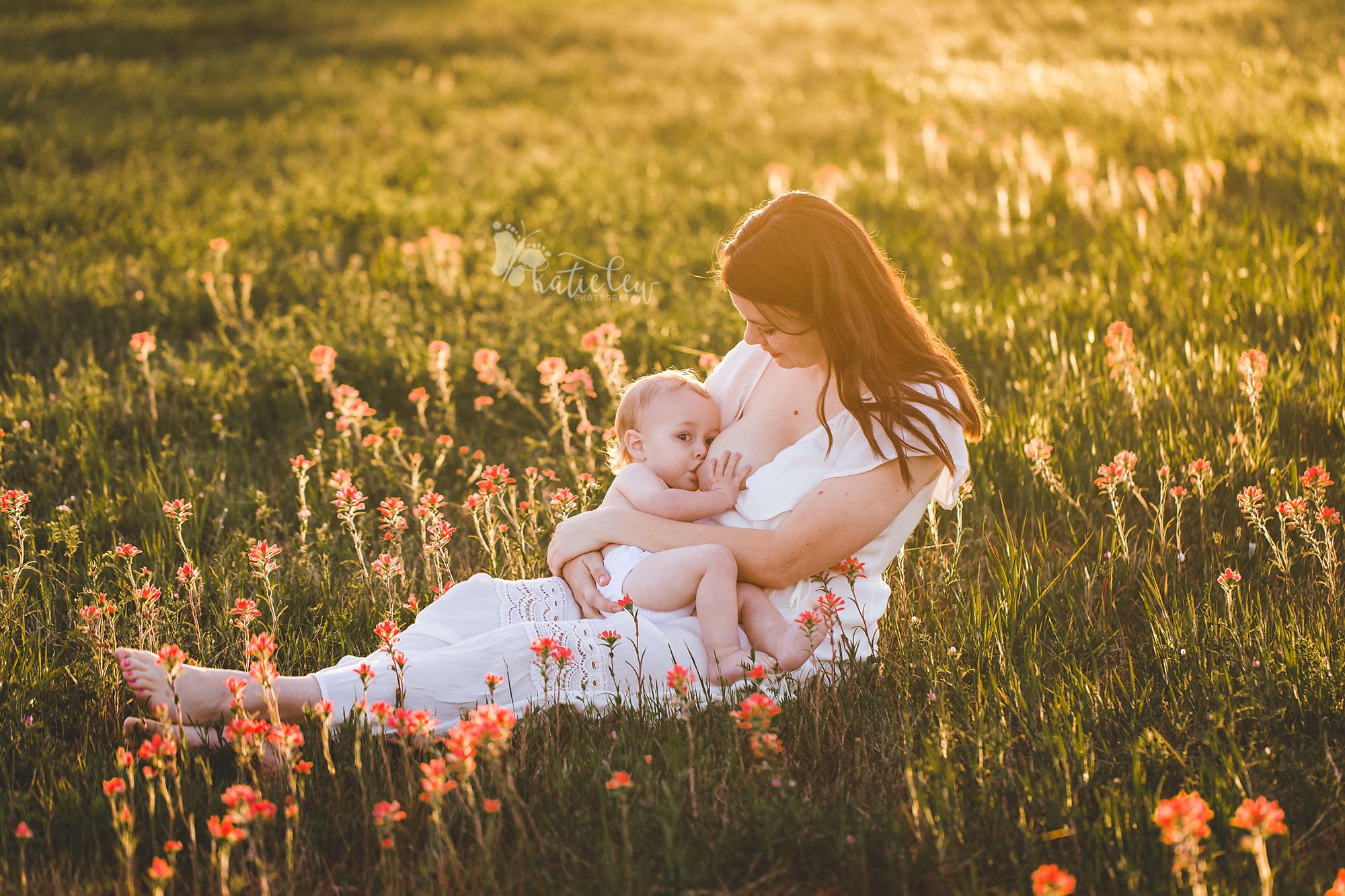 Breastfeeding photoshoot in stillwater, oklahoma