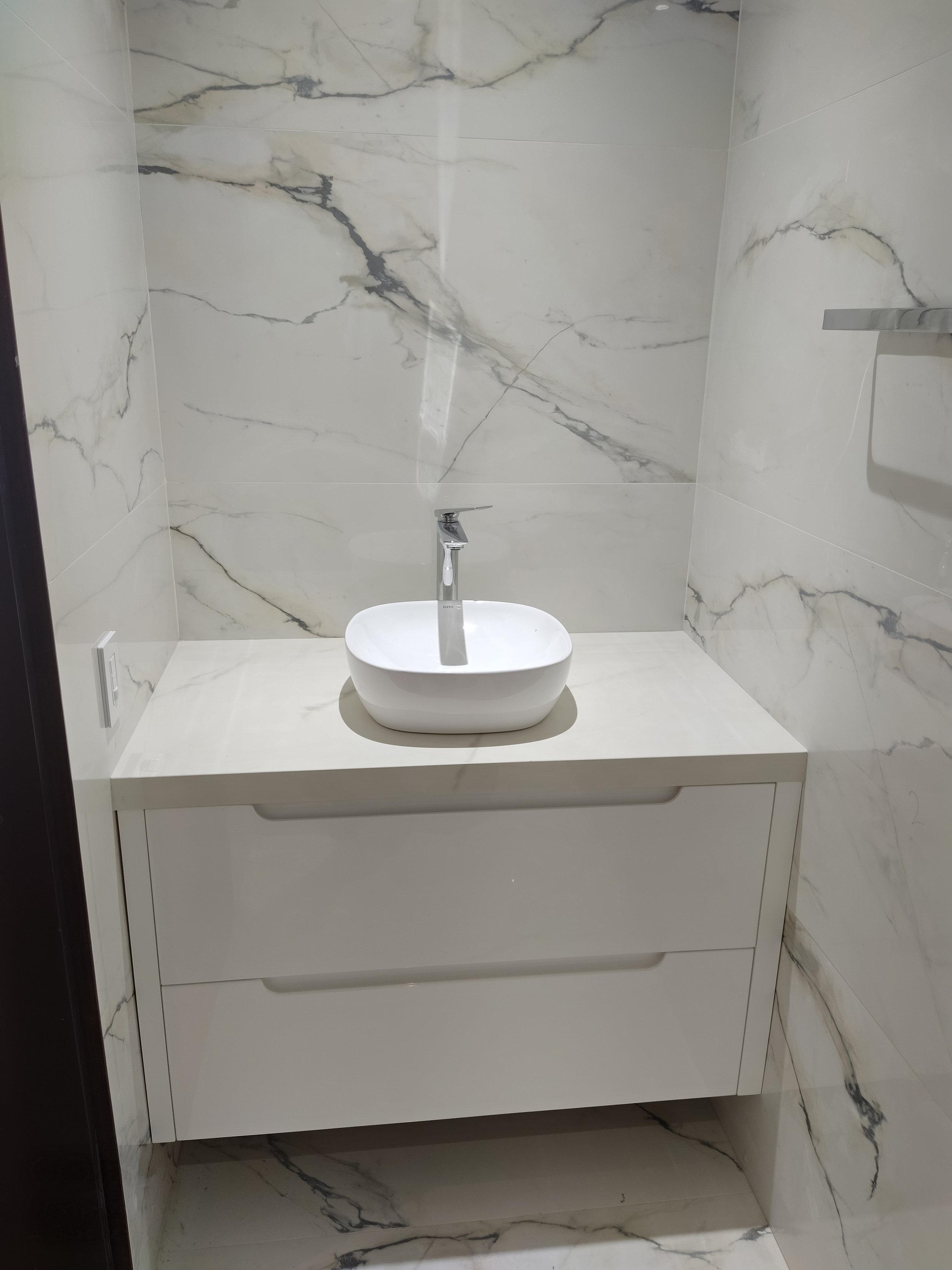 Mueble baño copia.jpg