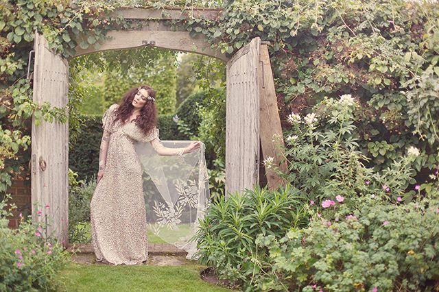 Looking back at our Secret Garden shoot featuring the most beautiful @clairepettibone dress. One of our all time favourites. ⠀⠀⠀⠀⠀⠀⠀⠀⠀ .⠀⠀⠀⠀⠀⠀⠀⠀⠀ .⠀⠀⠀⠀⠀⠀⠀⠀⠀ .⠀⠀⠀⠀⠀⠀⠀⠀⠀ Photography and production @goochandgawler ⠀⠀⠀⠀⠀⠀⠀⠀⠀ #fashion #fineart #photography #wedding #artbuying #artbuyer #stillsproducer #stillsproduction #campaignshoot #creativedirector #artdirector #photoproduction #photoshoot #producer #artdirector #photographer #weddinginspiration #weddinginspo #contentcreators #London #UK #photos #photograph #models #fashionphotography #editorial #shooting #shoot #secretgarden #clairepettibone