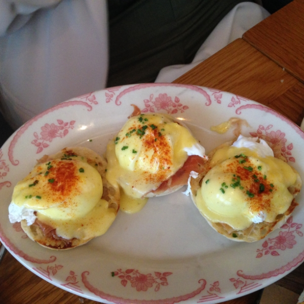 Huevos benedictinos (if that's not obvious).