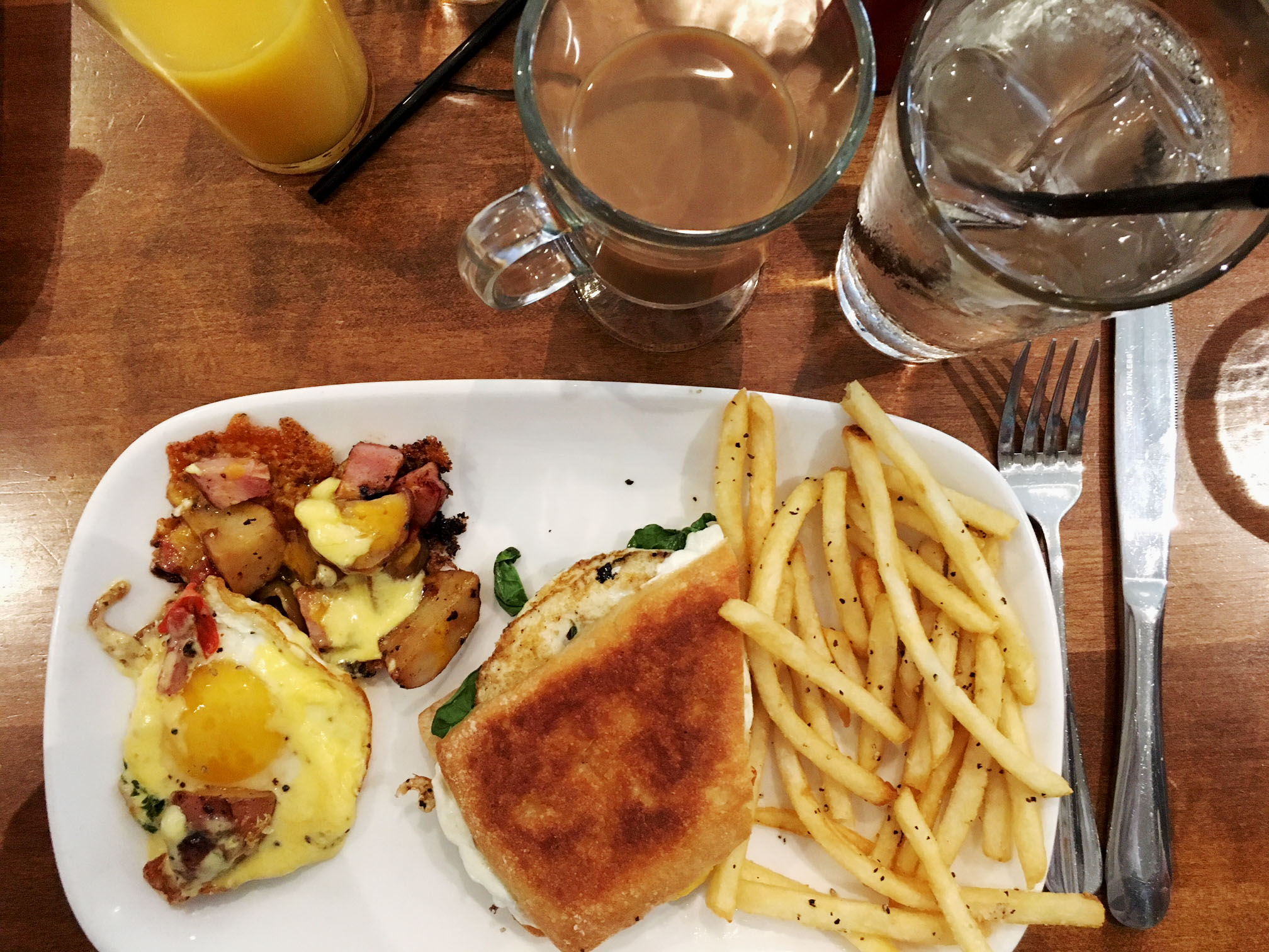 brunch at caturra on grove