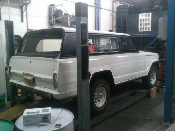 jeep-cherokee-chief-paint-01.jpg