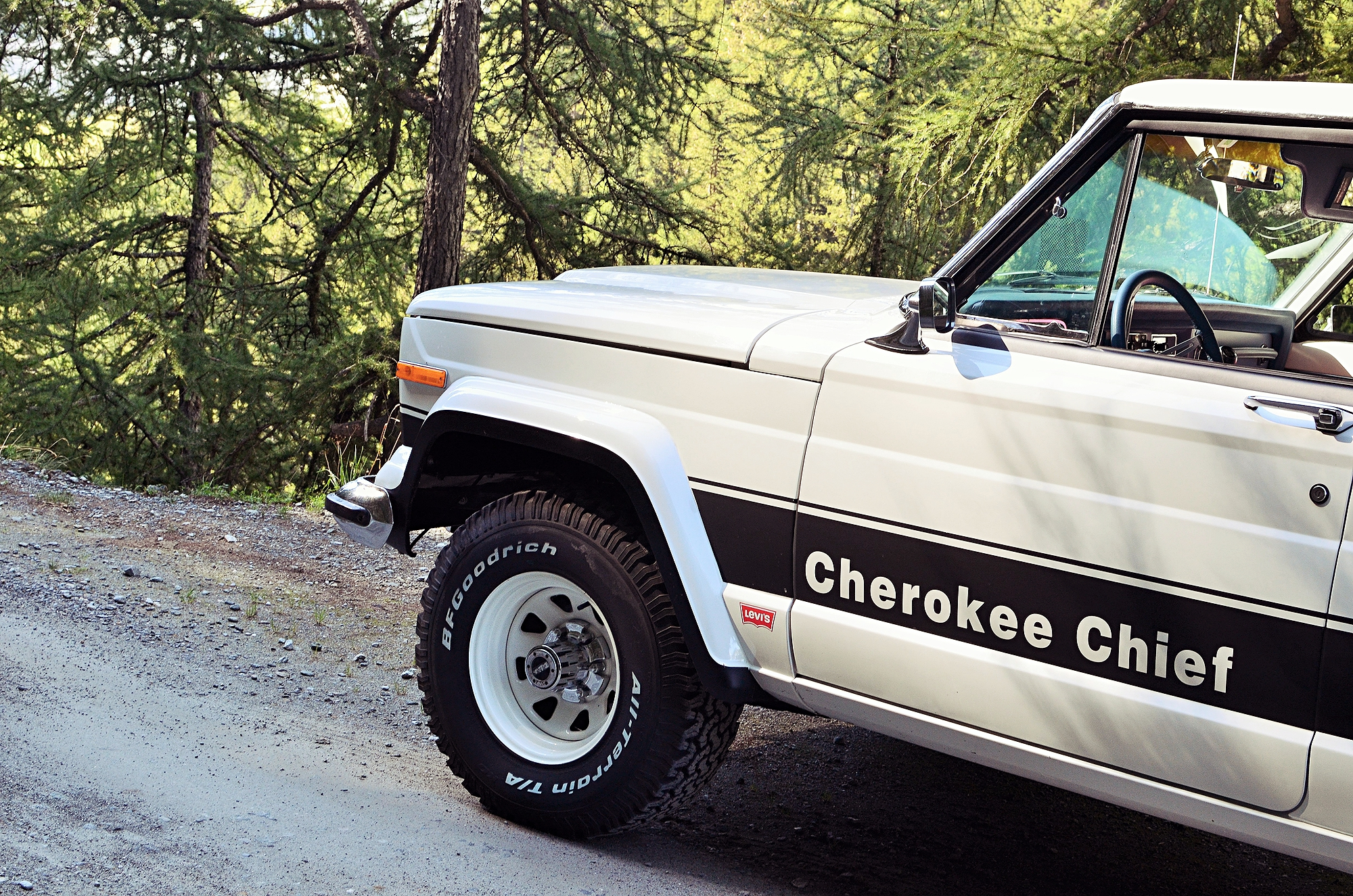jeep-cherokee-chief-shooting-26.jpg