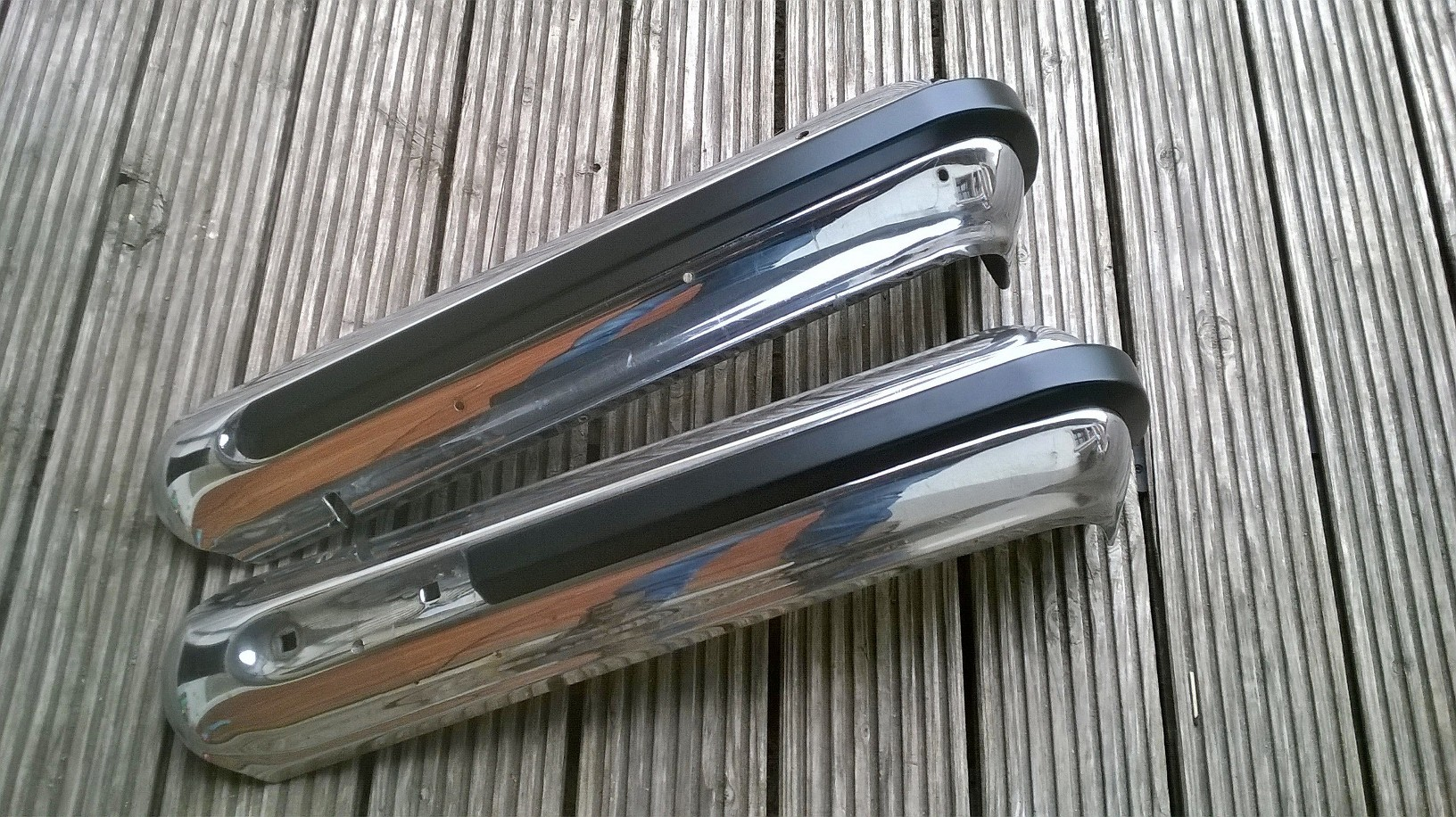 Jeep-wagoneer-gladiator-bumper-stripes-original-view-22