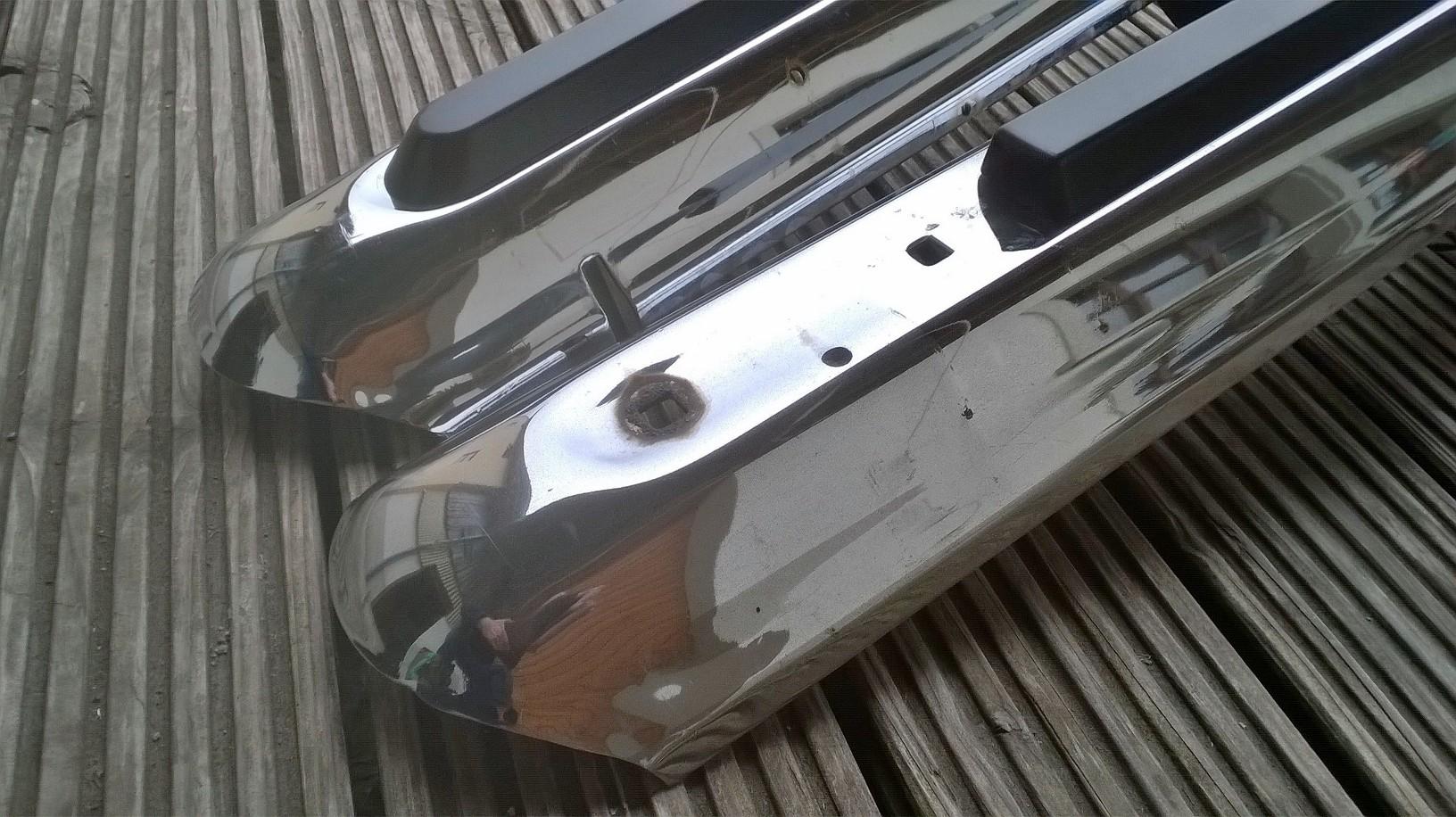 Jeep-wagoneer-gladiator-bumper-stripes-original-view-25
