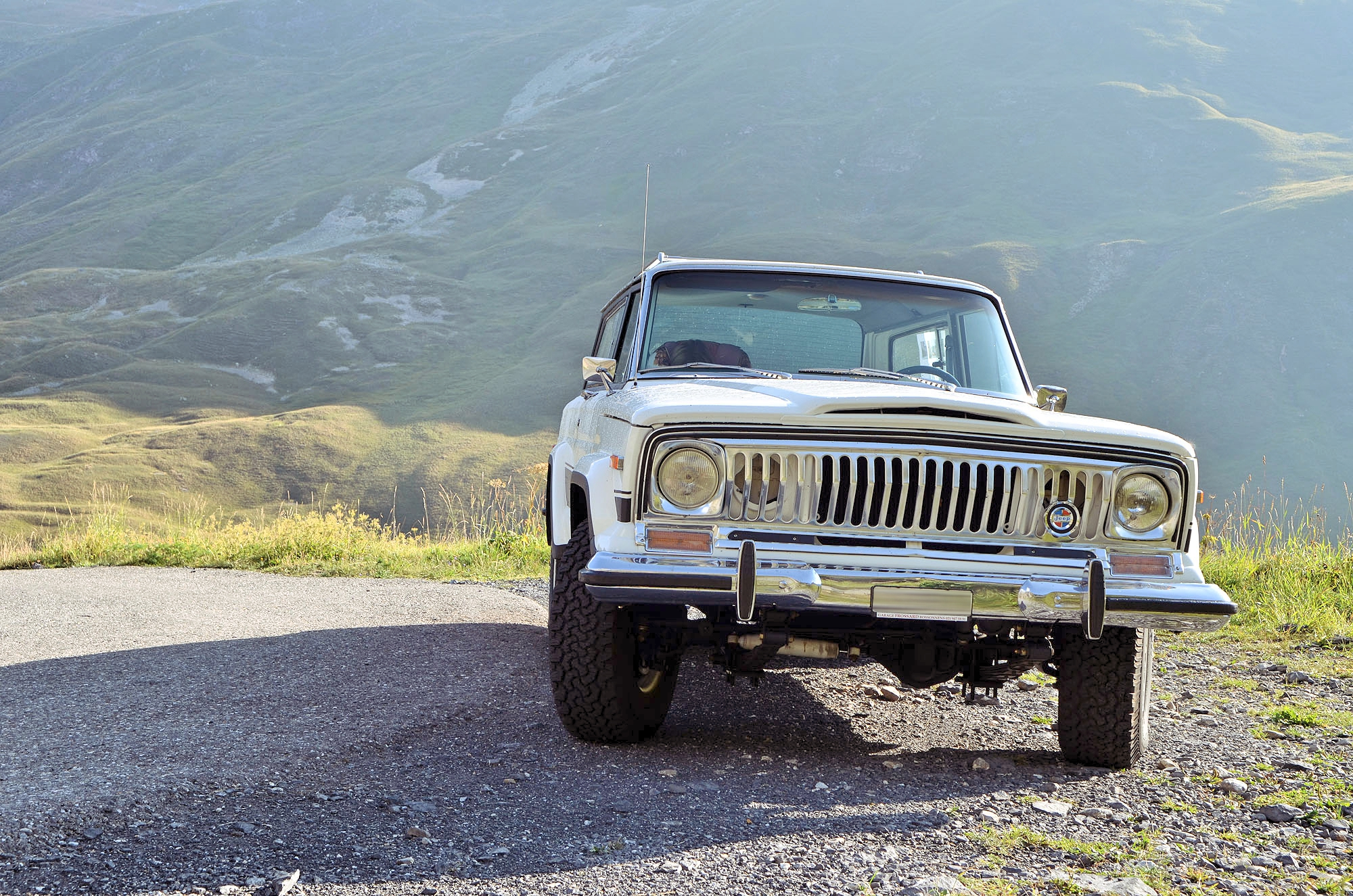 Jeep-Cherokee-Chief-restored-1978-shooting-france