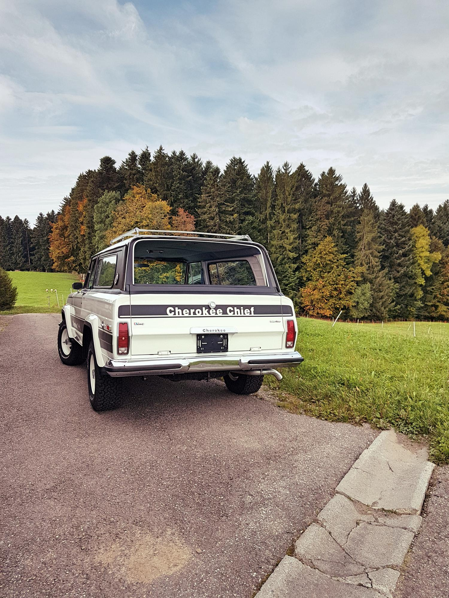 jeep-cherokee-chief-1978-shooting-morgins-switzerland-5.jpg