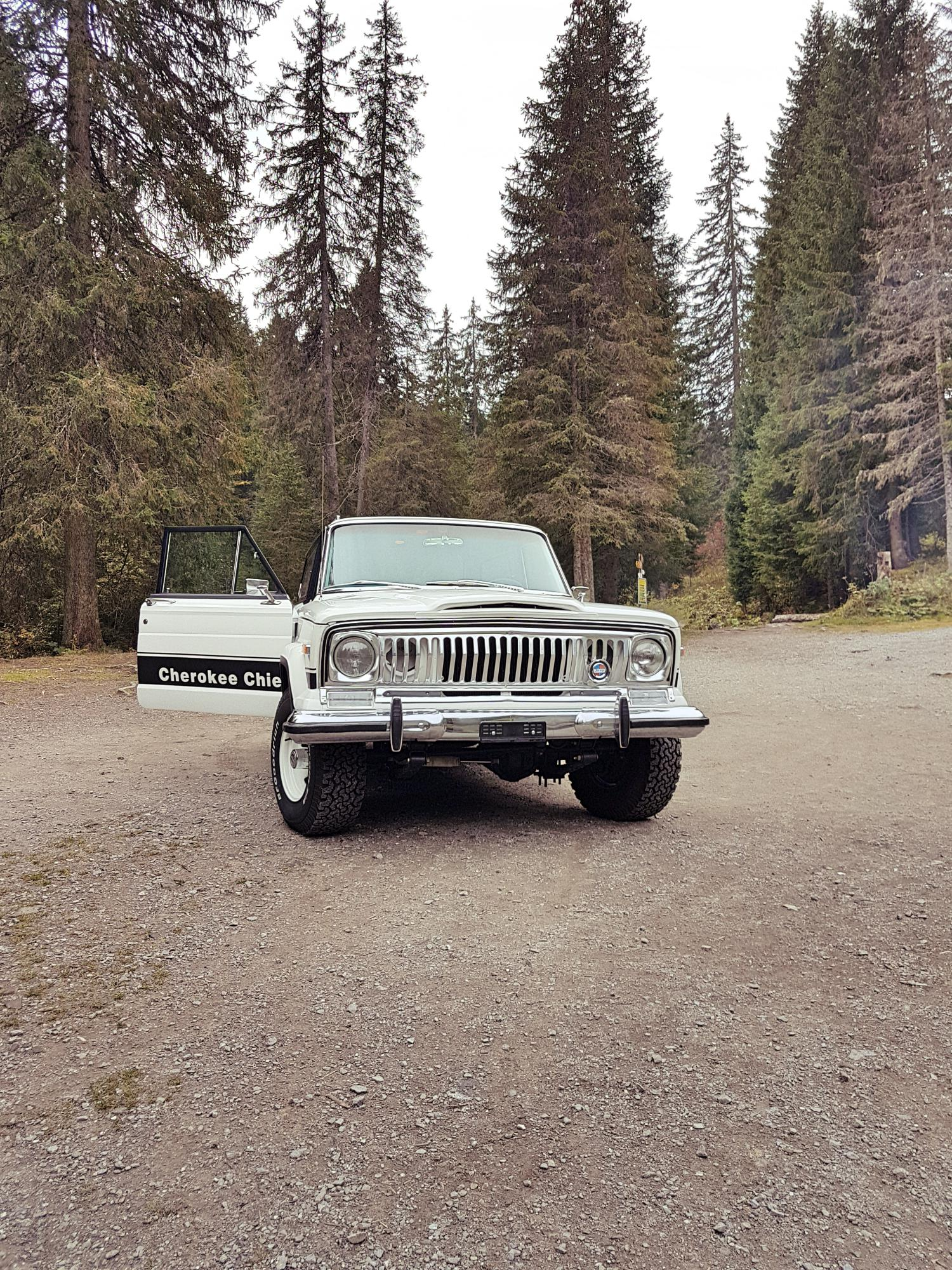 jeep-cherokee-chief-1978-shooting-morgins-switzerland-12.jpg