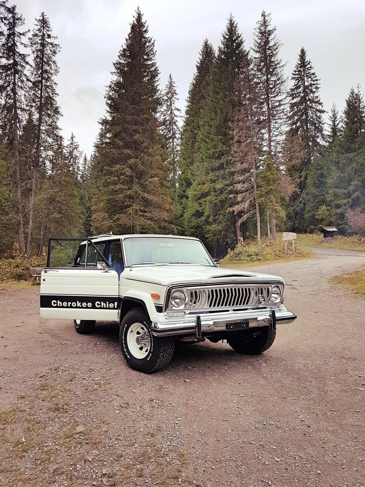 jeep-cherokee-chief-1978-shooting-morgins-switzerland-13.jpg