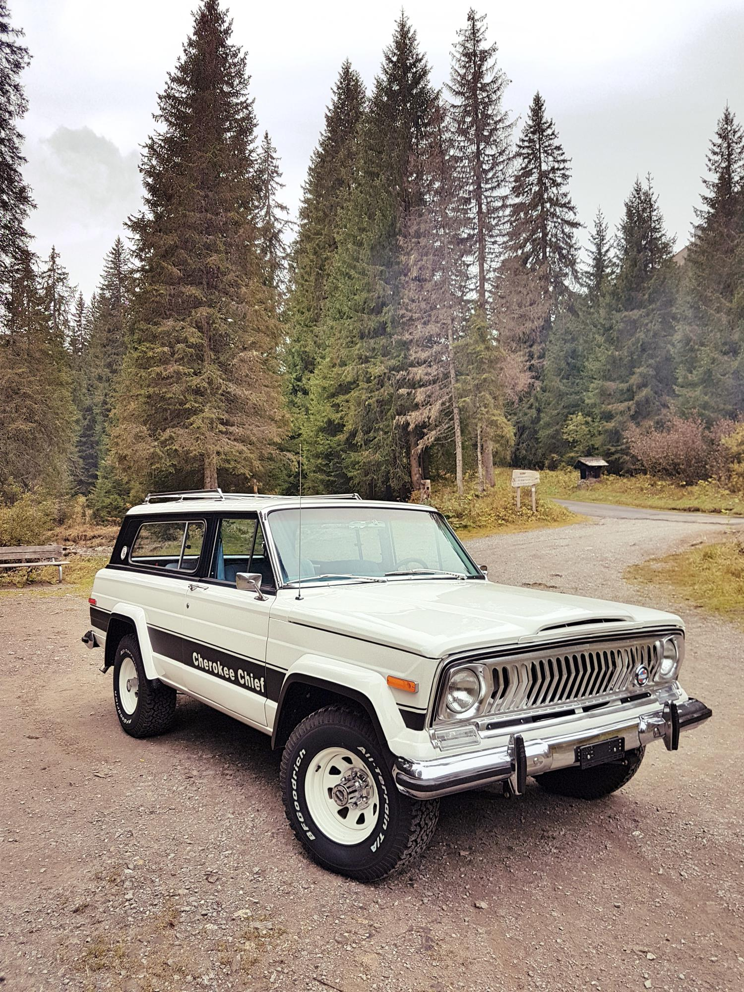 jeep-cherokee-chief-1978-shooting-morgins-switzerland-14.jpg
