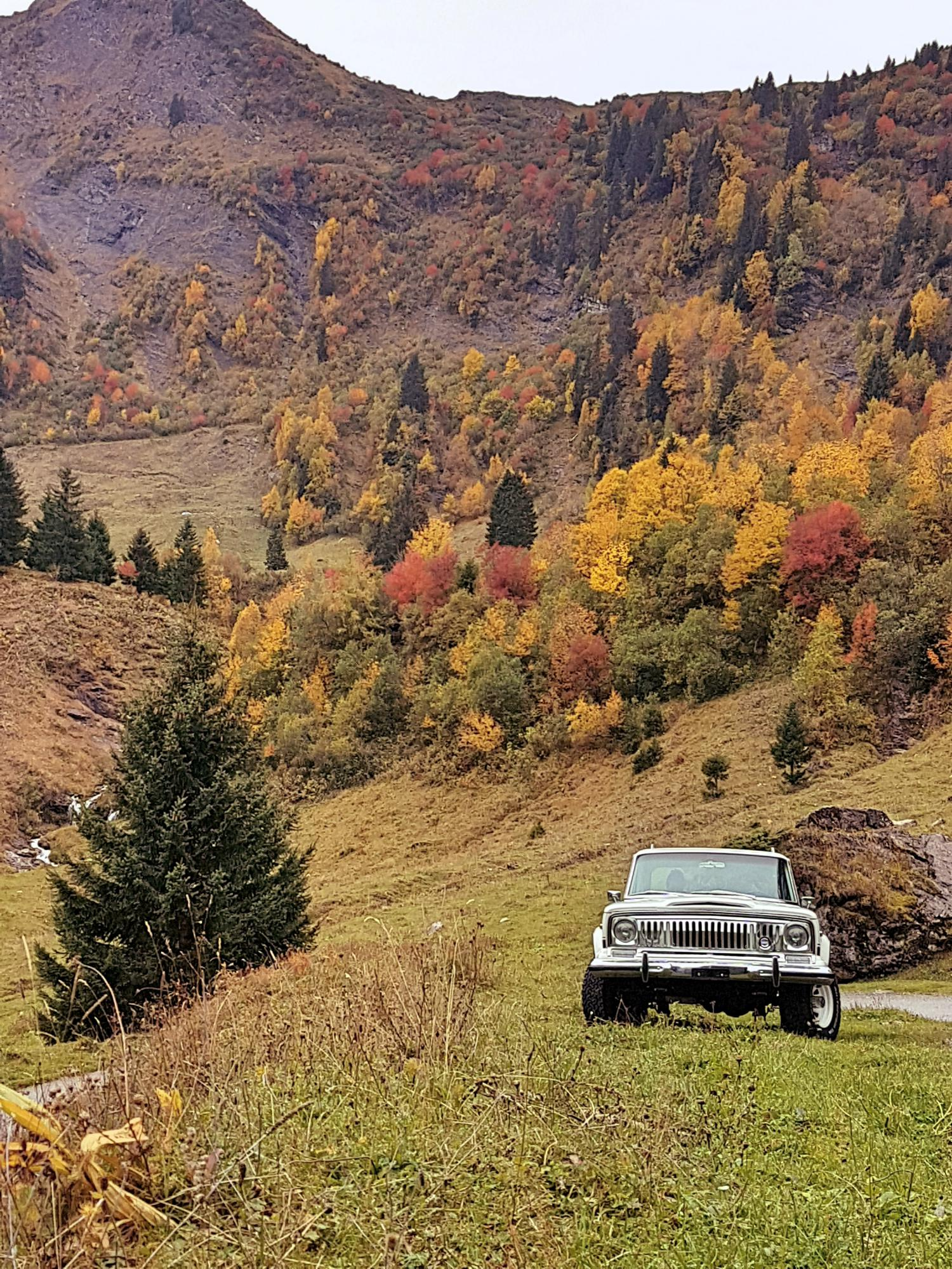 jeep-cherokee-chief-1978-shooting-morgins-switzerland-29.jpg