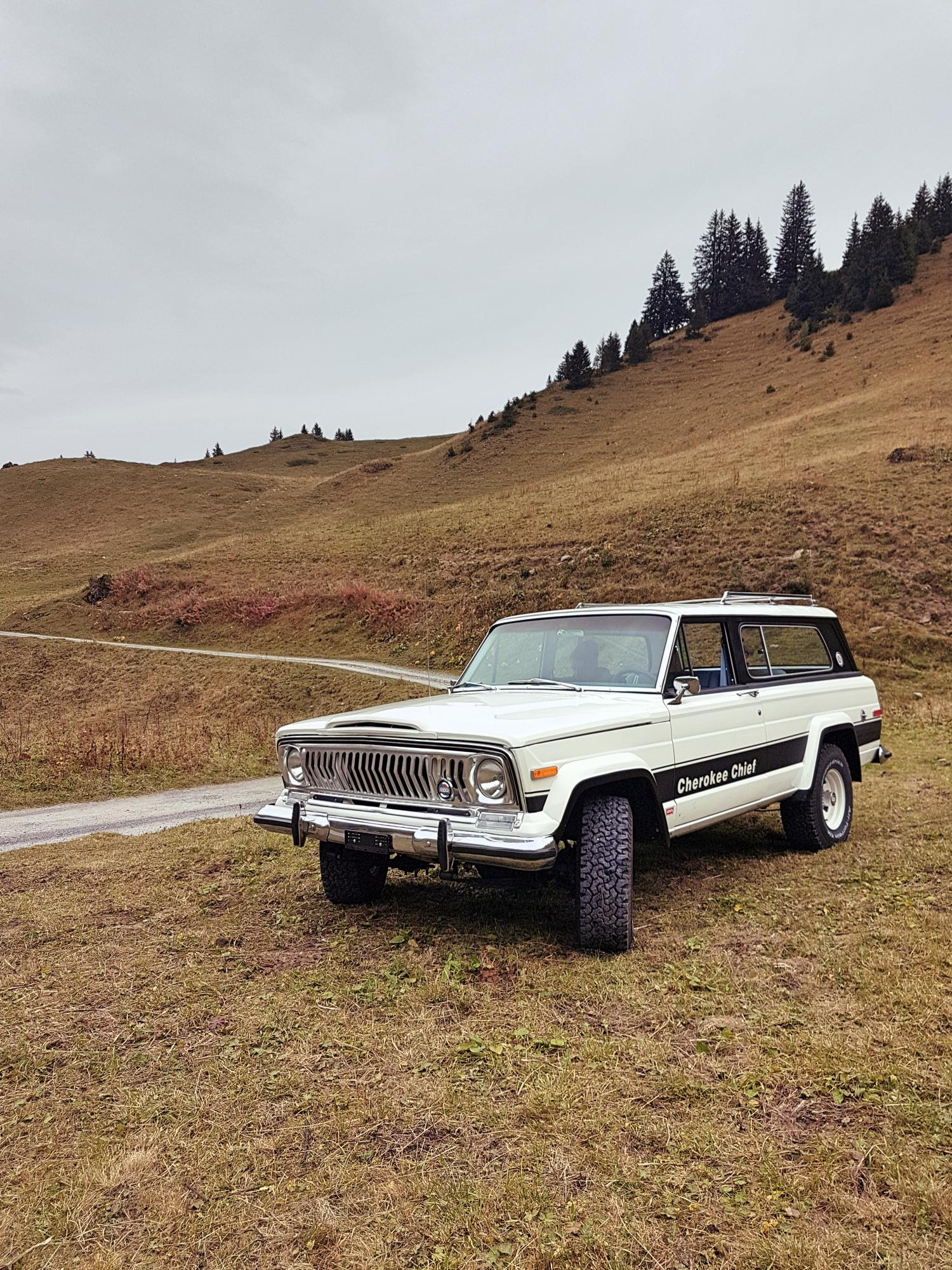 jeep-cherokee-chief-1978-shooting-morgins-switzerland-37.jpg