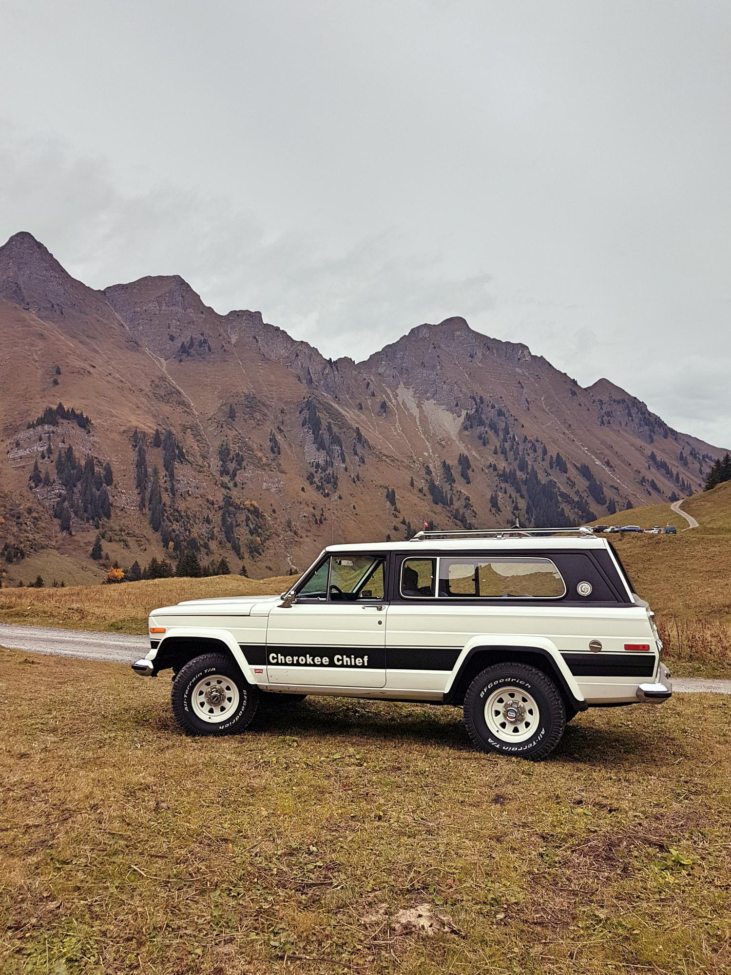 jeep-cherokee-chief-1978-shooting-morgins-switzerland-39.jpg