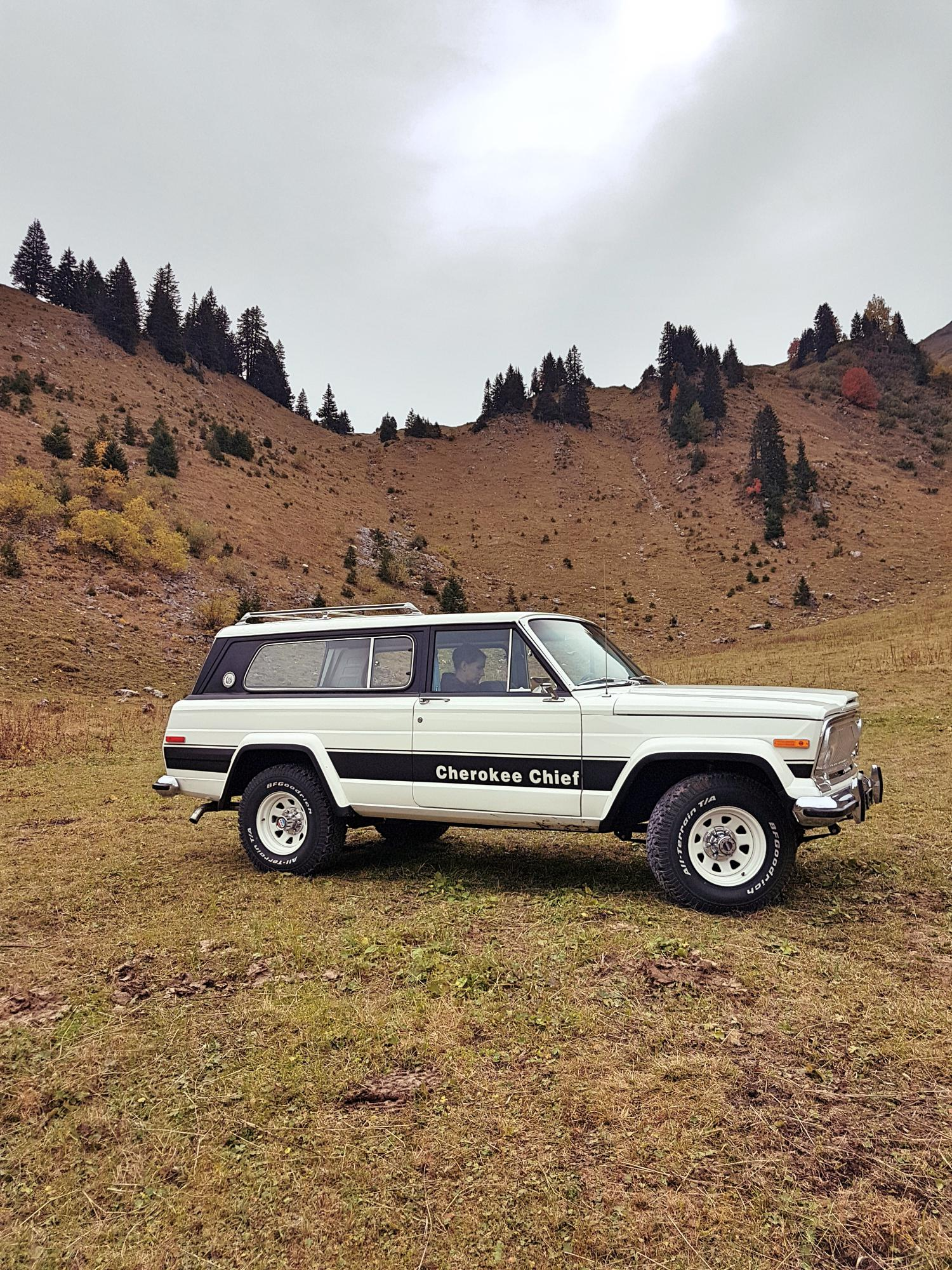 jeep-cherokee-chief-1978-shooting-morgins-switzerland-55.jpg