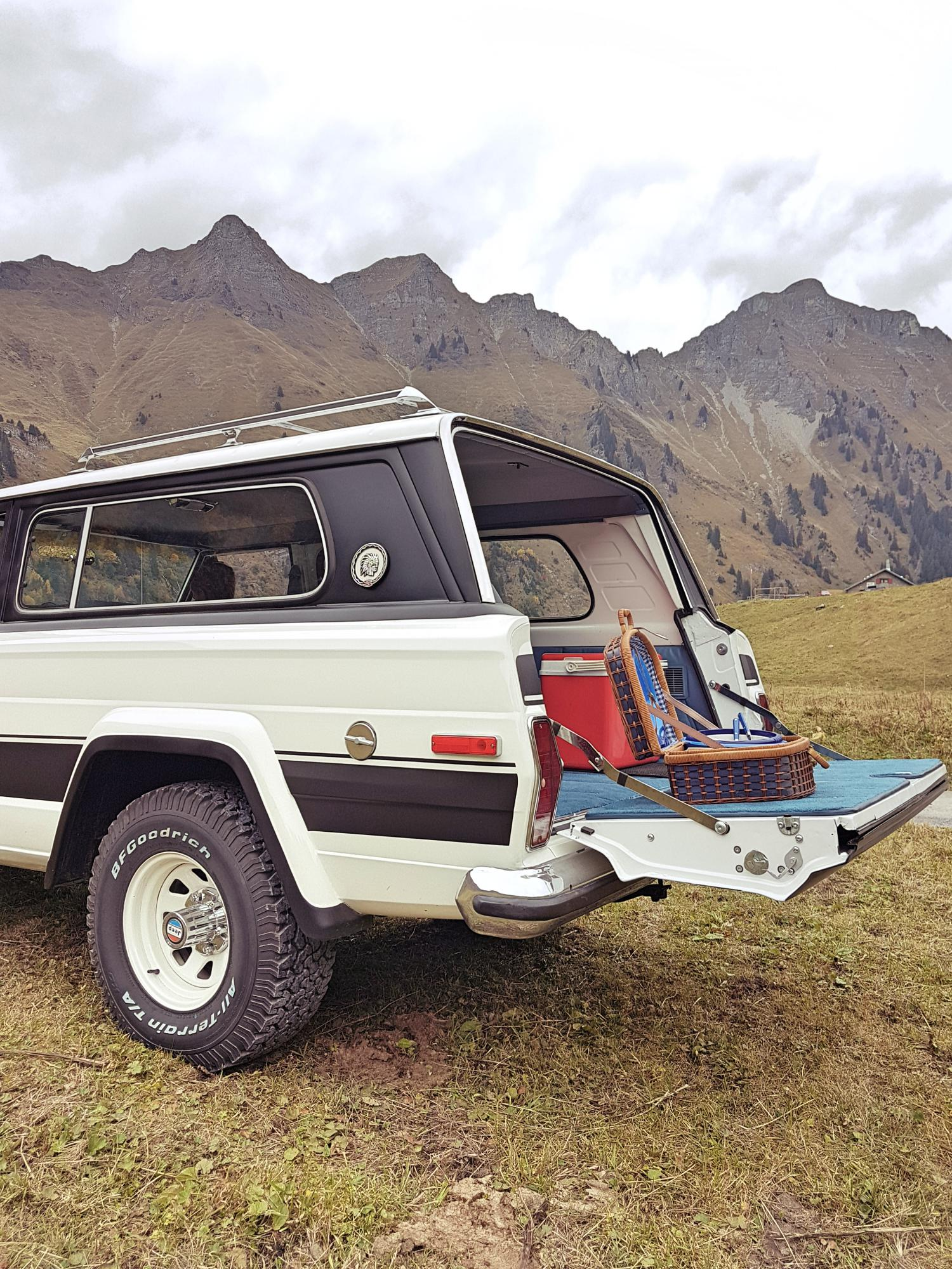 jeep-cherokee-chief-1978-shooting-morgins-switzerland-66.jpg