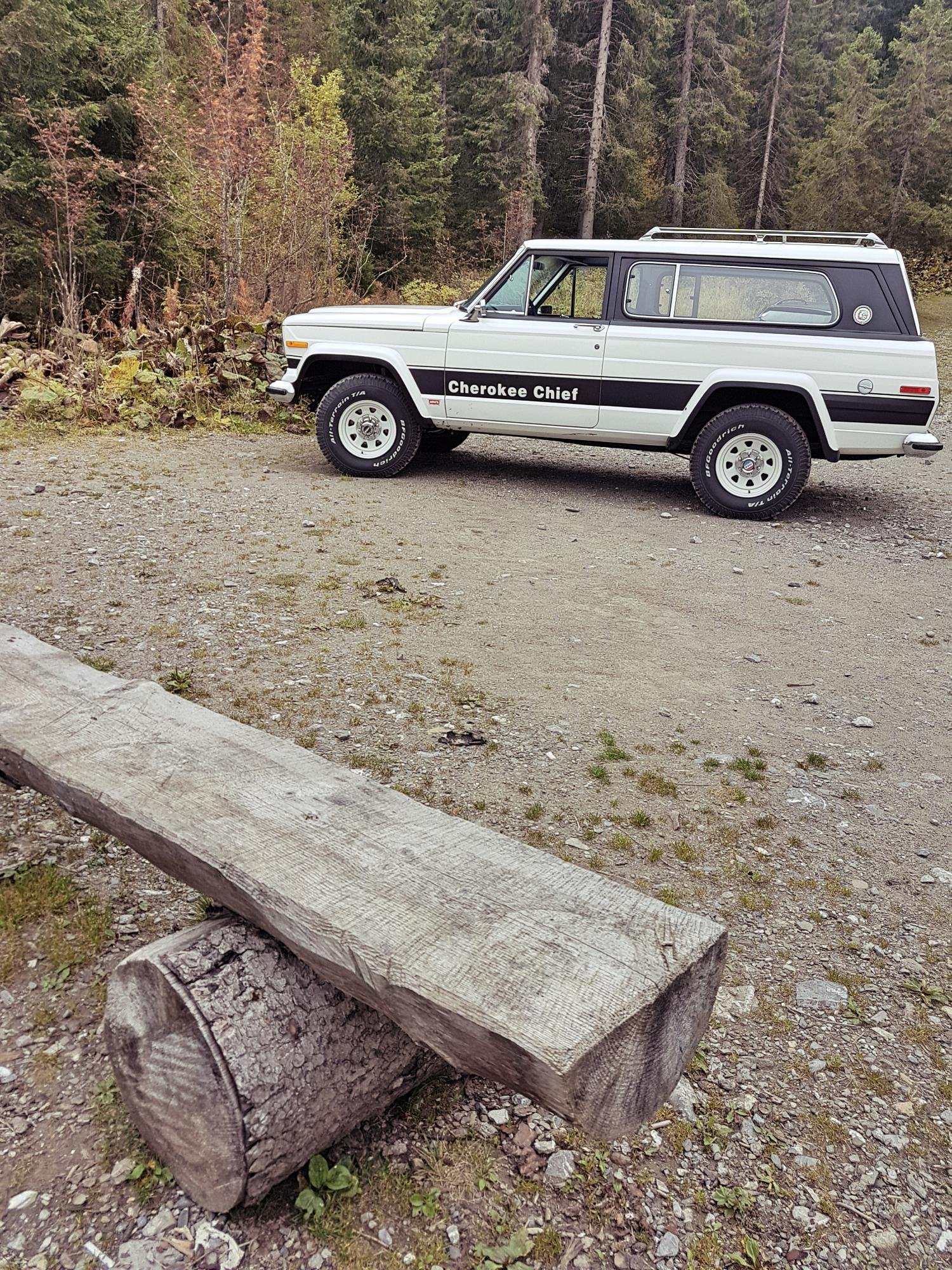 jeep-cherokee-chief-1978-shooting-morgins-switzerland-98.jpg
