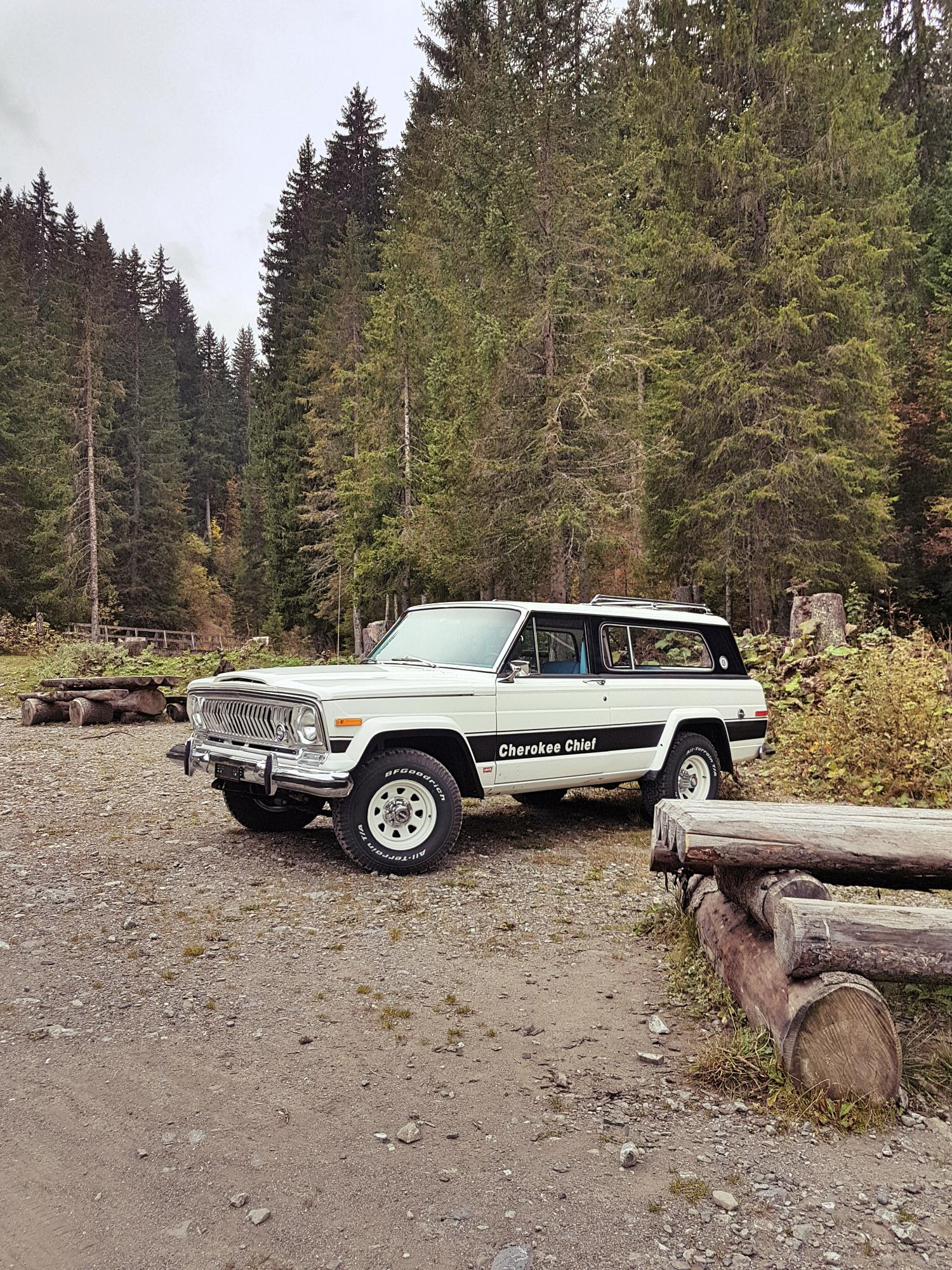 jeep-cherokee-chief-1978-shooting-morgins-switzerland-104.jpg