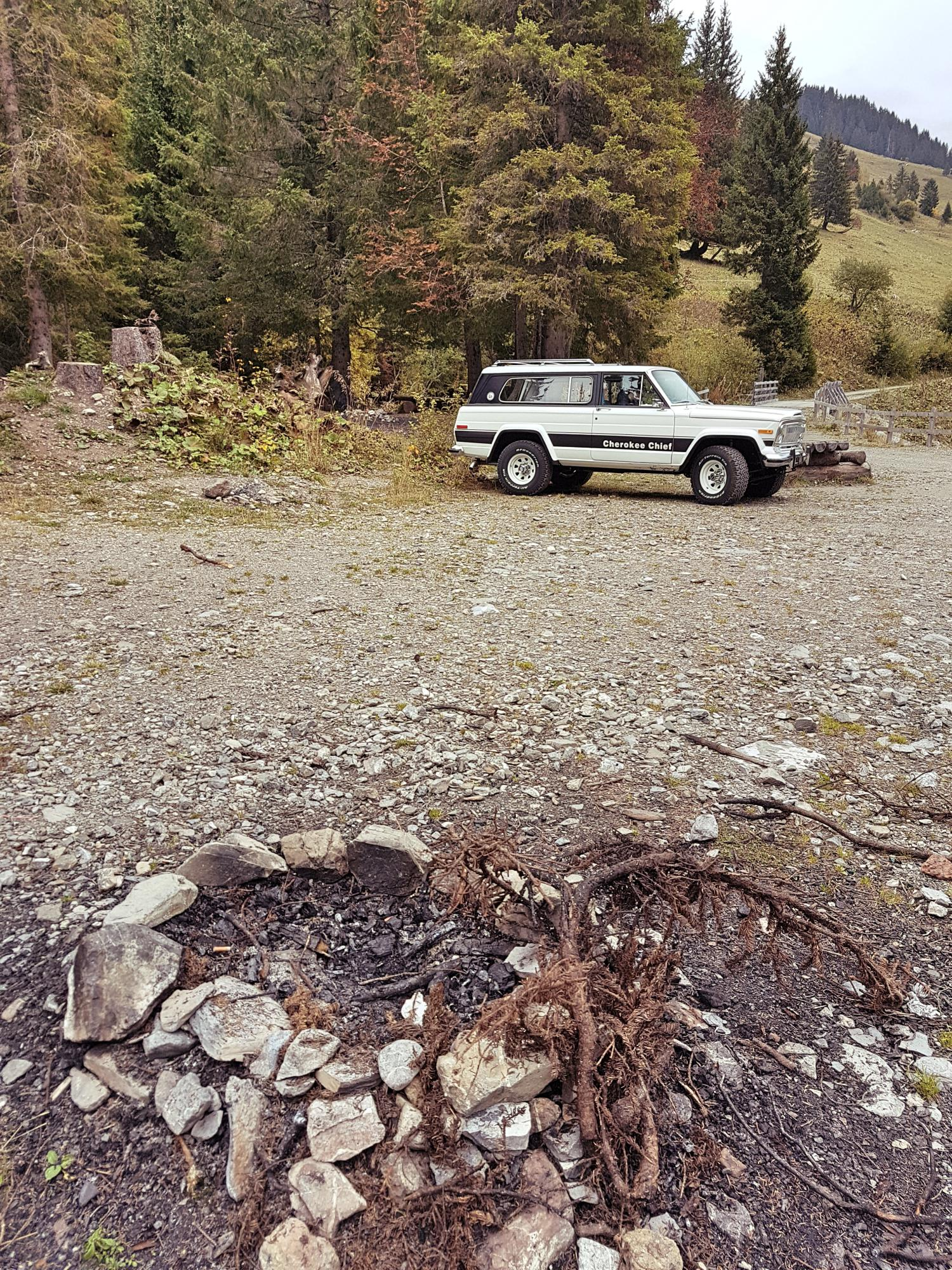 jeep-cherokee-chief-1978-shooting-morgins-switzerland-107.jpg