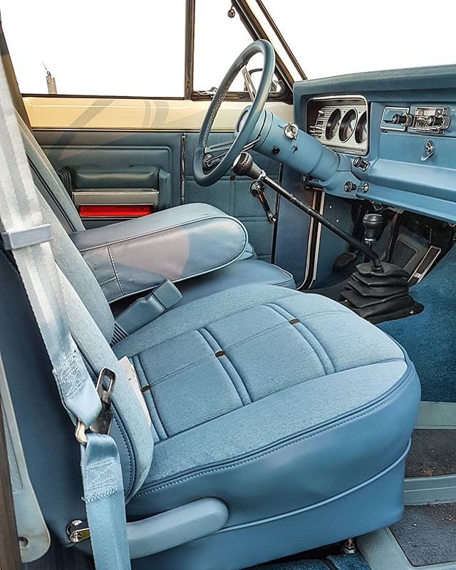 @levis.vintage.clothing  interior oeiginal of @jeep legend cherokee chief 1978