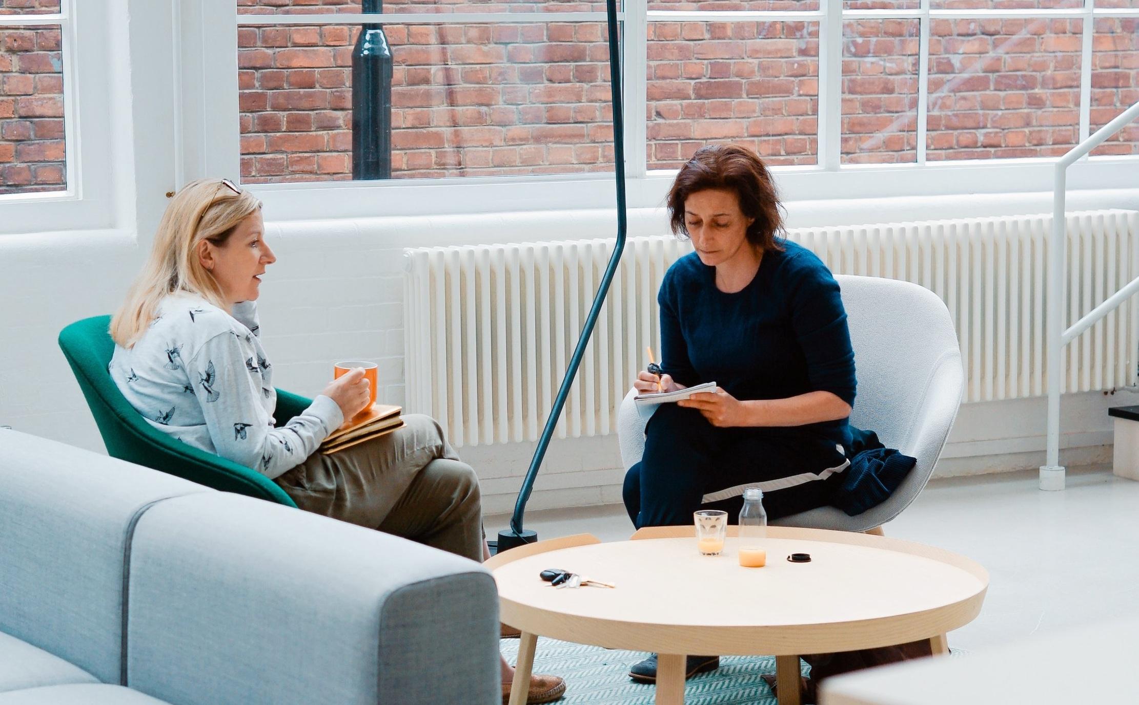two+women+in+a+conversation.jpg