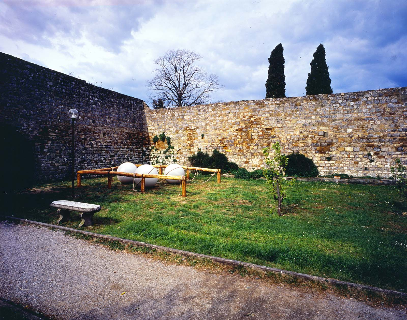 View-of-installation-San-Gimignano-2001-Courtesy-Galleria-Continua-San-Gimignano-Pho.jpg