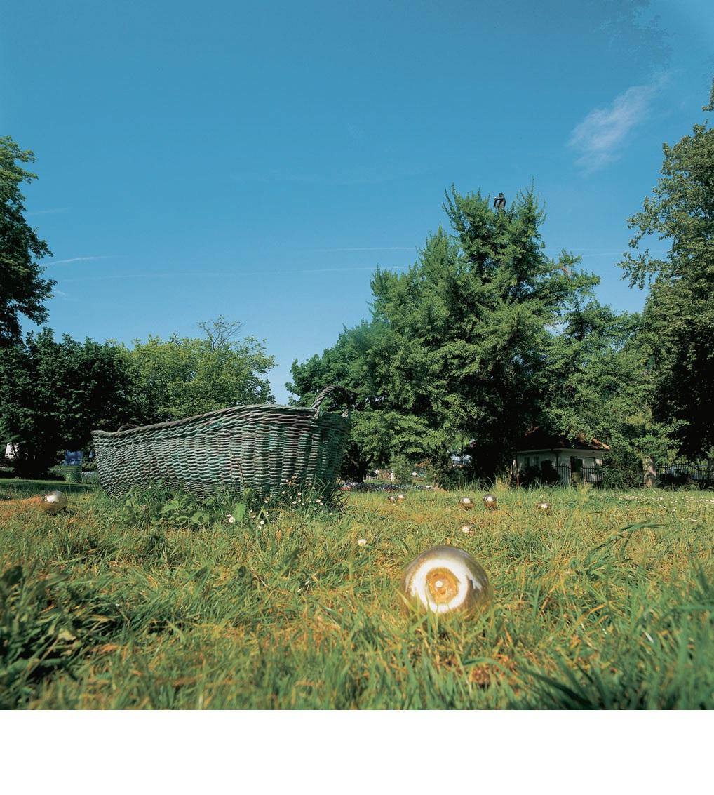 View-of-installation-Singen-2000-Photo-by-Otto-Kasper.jpg