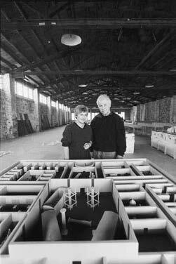 Emila-and-Ilya-Kabakov-in-front-of-the-model-Cantieri-Culturali-alla-Zisa-Pal.jpg