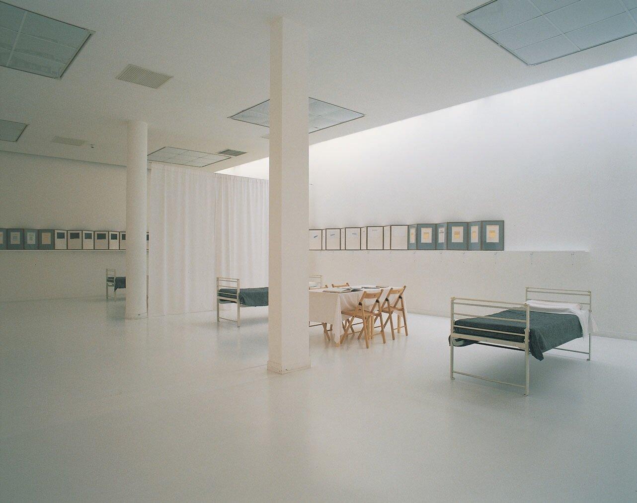 View-of-installation-of-room-1-Reading-Room-Museum-van-Hedendaagse-Kunst-Antwerp-1998-Photo-.jpg