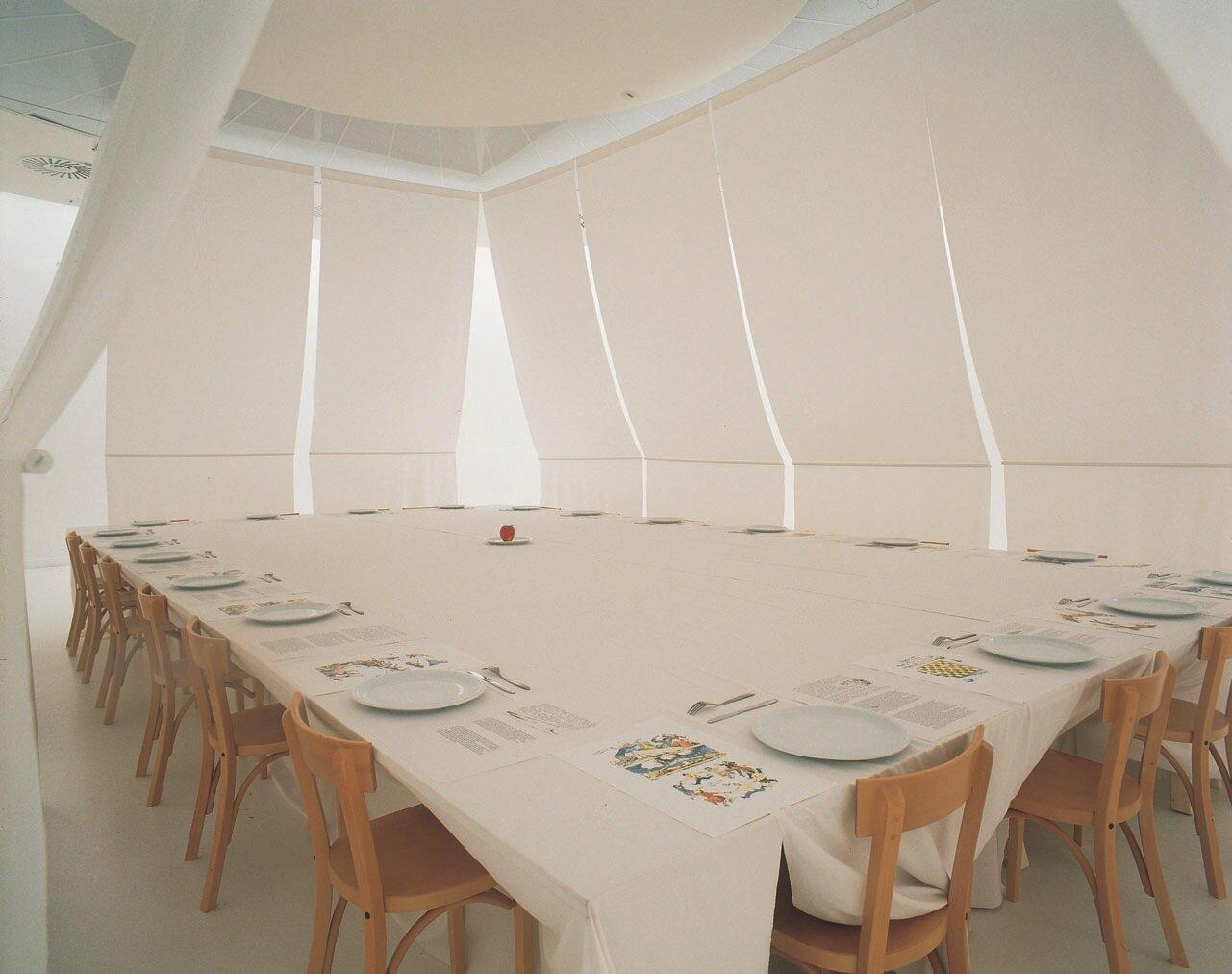 View-of-installation-Museum-van-Hedendaagse-Kunst-Antwerp-1998-Photo-by-Dir.jpg