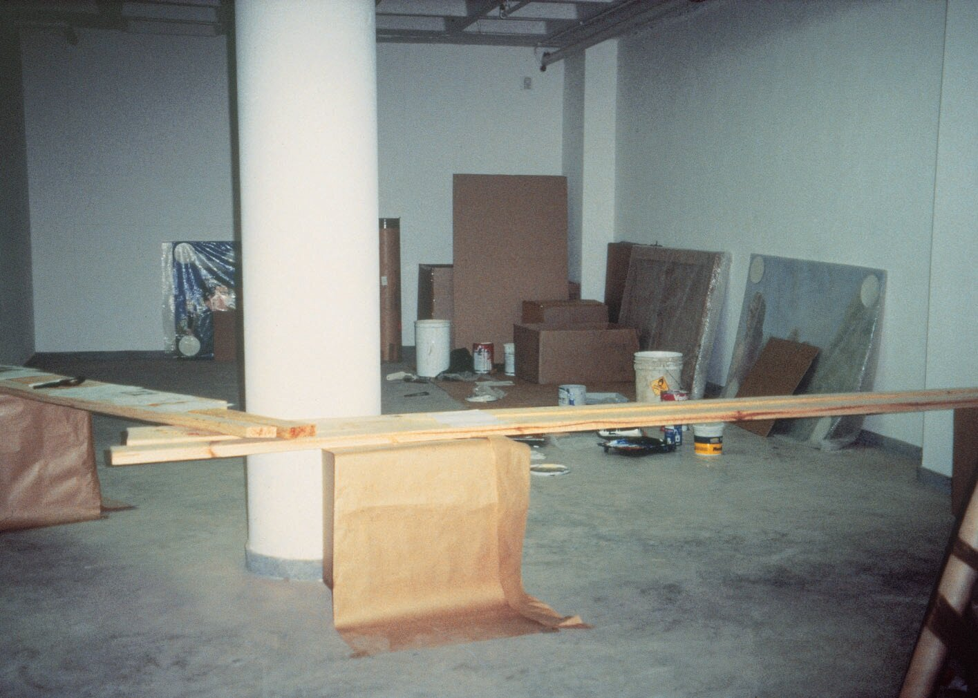 View-of-installation-South-African-Biennale-Johannesburg-1995-Photo-by-Emilia-Kabakov.jpg