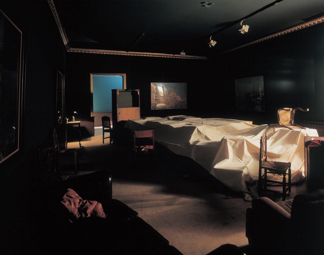 View-of-installation-Fundación-La-Caixa-Madrid-1994-Photo-by-Javier-Campano.jpg