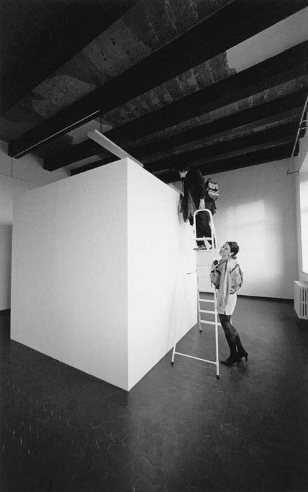 View-of-installation-Centre-for-Contemporary-Arts-Glasgow-1995-Photo-BY-AFAA-Association-Franç.jpg