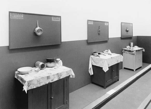 View-of-installation-Fiac-Paris-1991-Photo-by-Jean-Alex-Brunnel-2.jpg