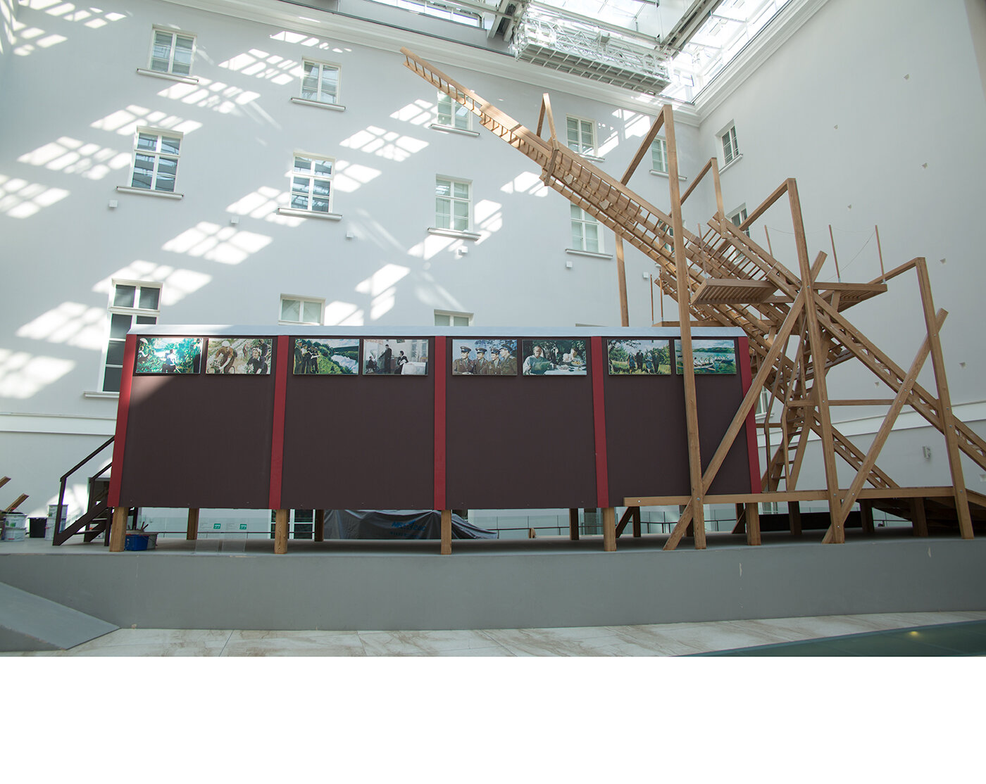 View-of-installation-Hermitage-State-Museum-St.-Petersburg-Russia-2017-3.jpg