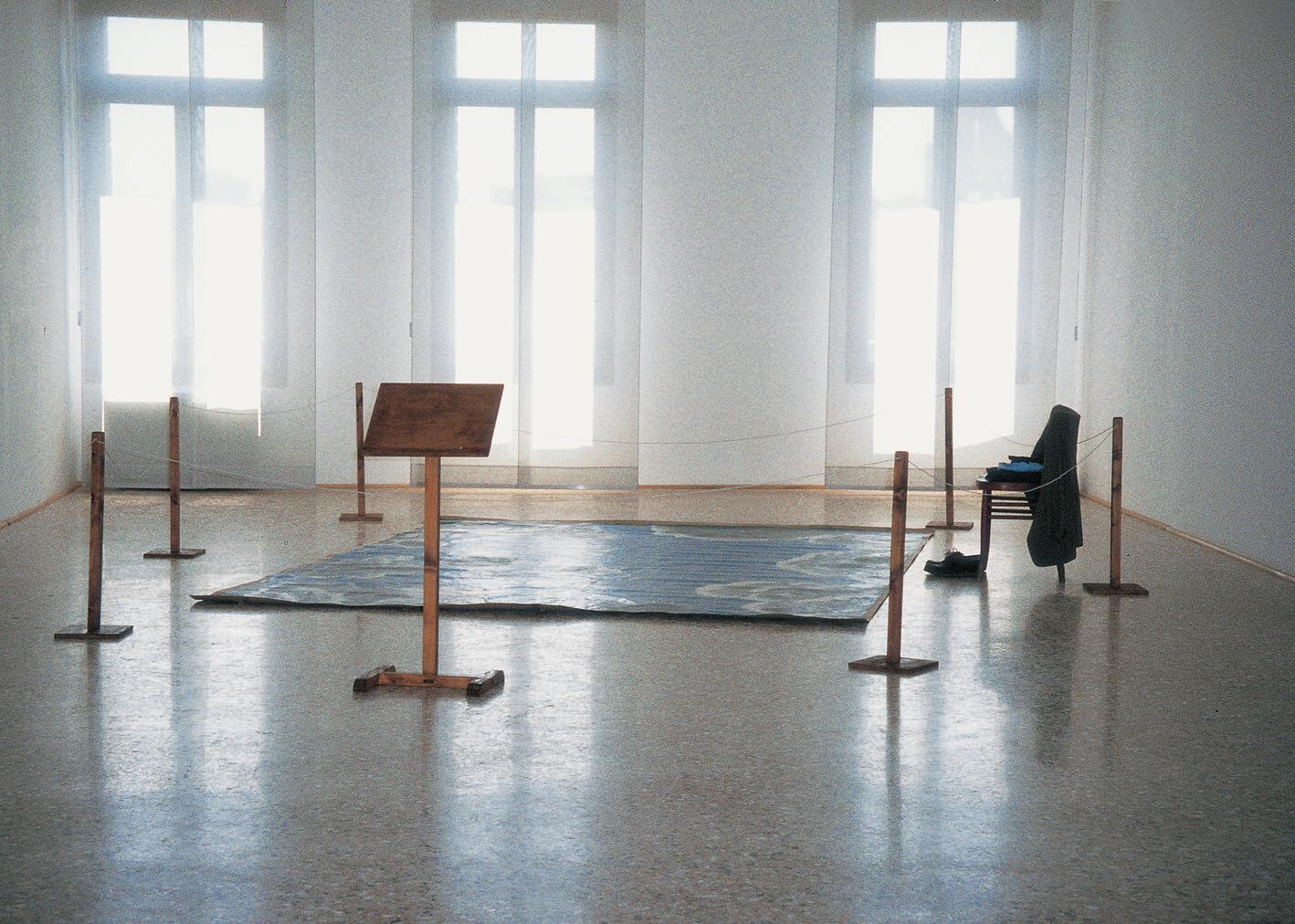 View-of-installation-Palazzo-Fondazione-Querini-Stampalia-Venice-1997-Photo-BY-Emil.jpg